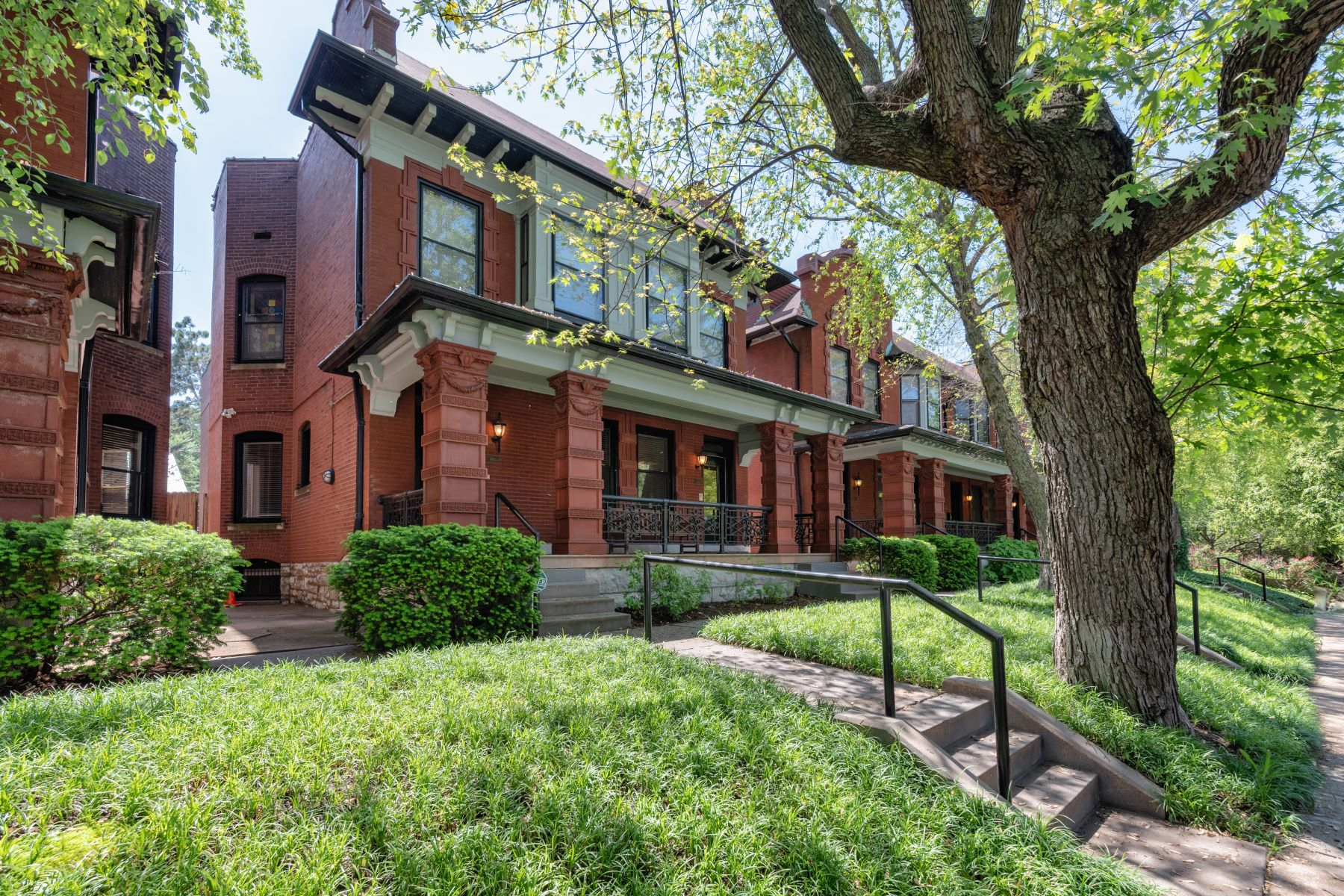 townhouses for Sale at Condo in the heart of Central West End 4912 McPherson Avenue #5 St. Louis, Missouri 63108 United States