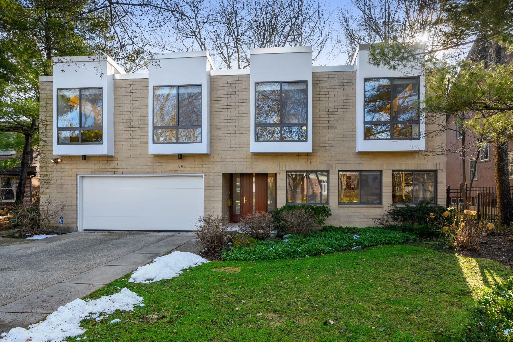 Single Family Homes for Active at Bright Contemporary Design 343 Central Avenue Wilmette, Illinois 60091 United States