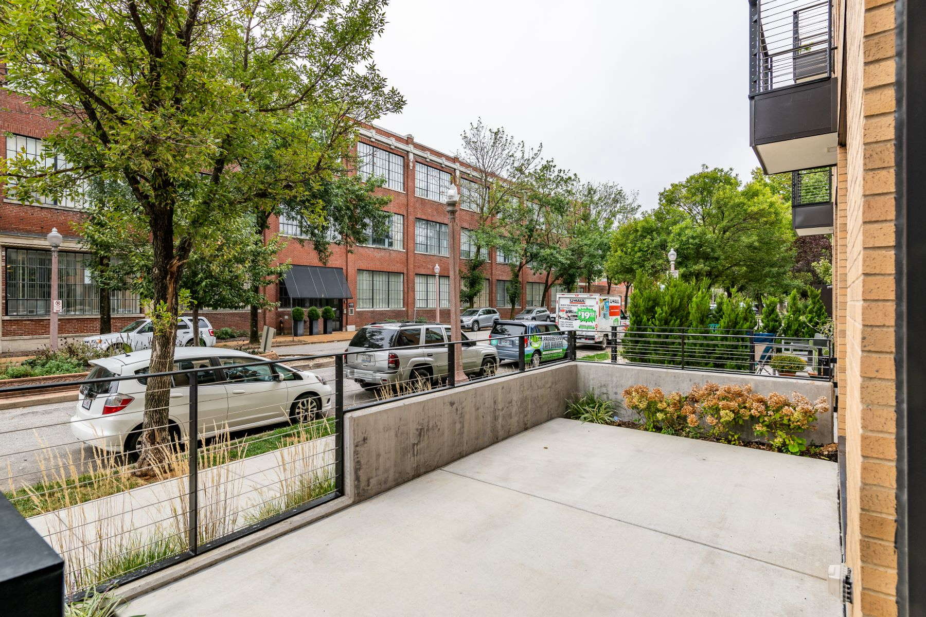 Additional photo for property listing at 4101 Laclede Ave # 104 St. Louis, Missouri 63108 United States
