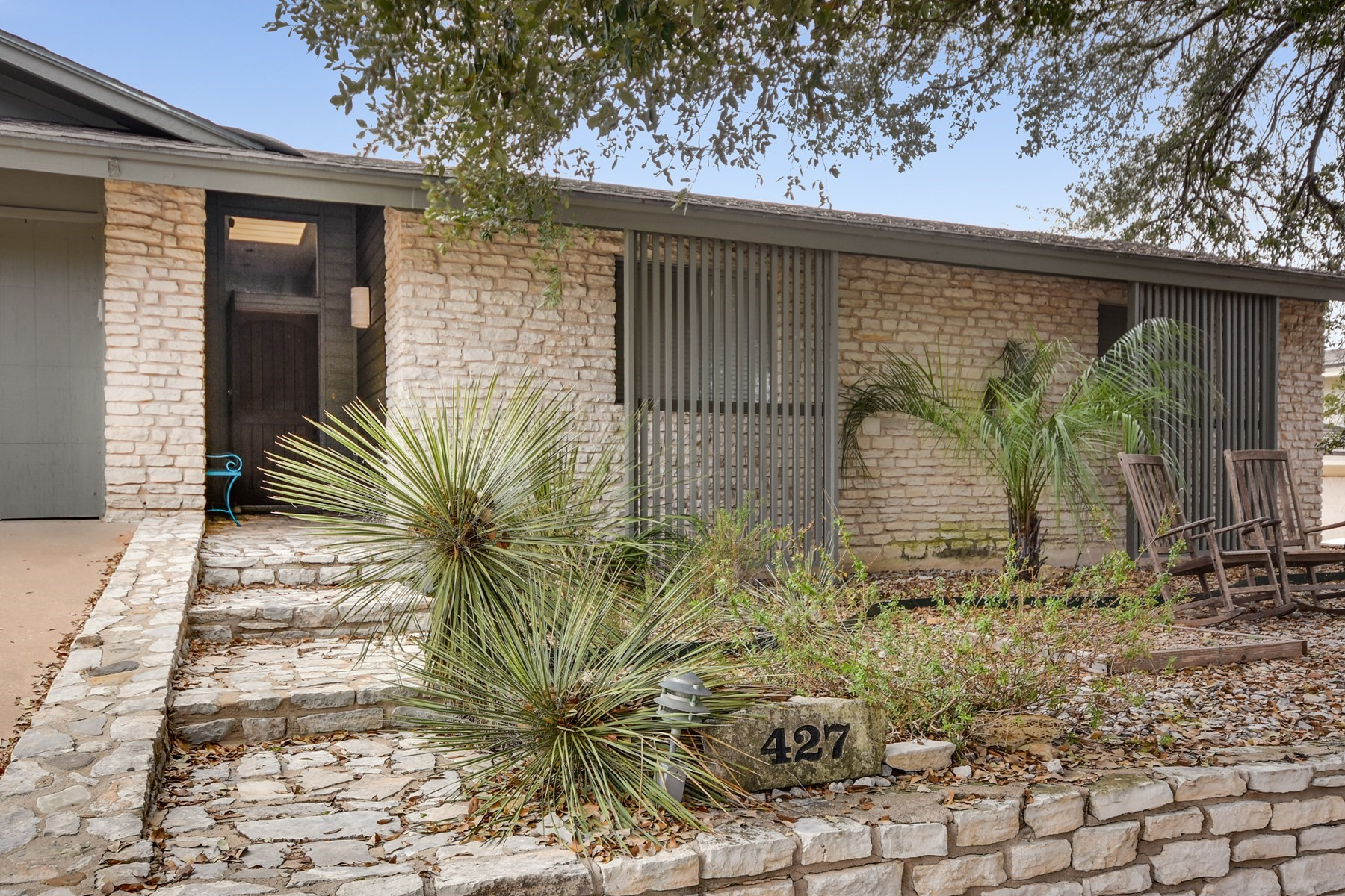 Additional photo for property listing at Mid-Century Modern Above Lake Travis 427 Coventry Road Spicewood, Texas 78669 United States