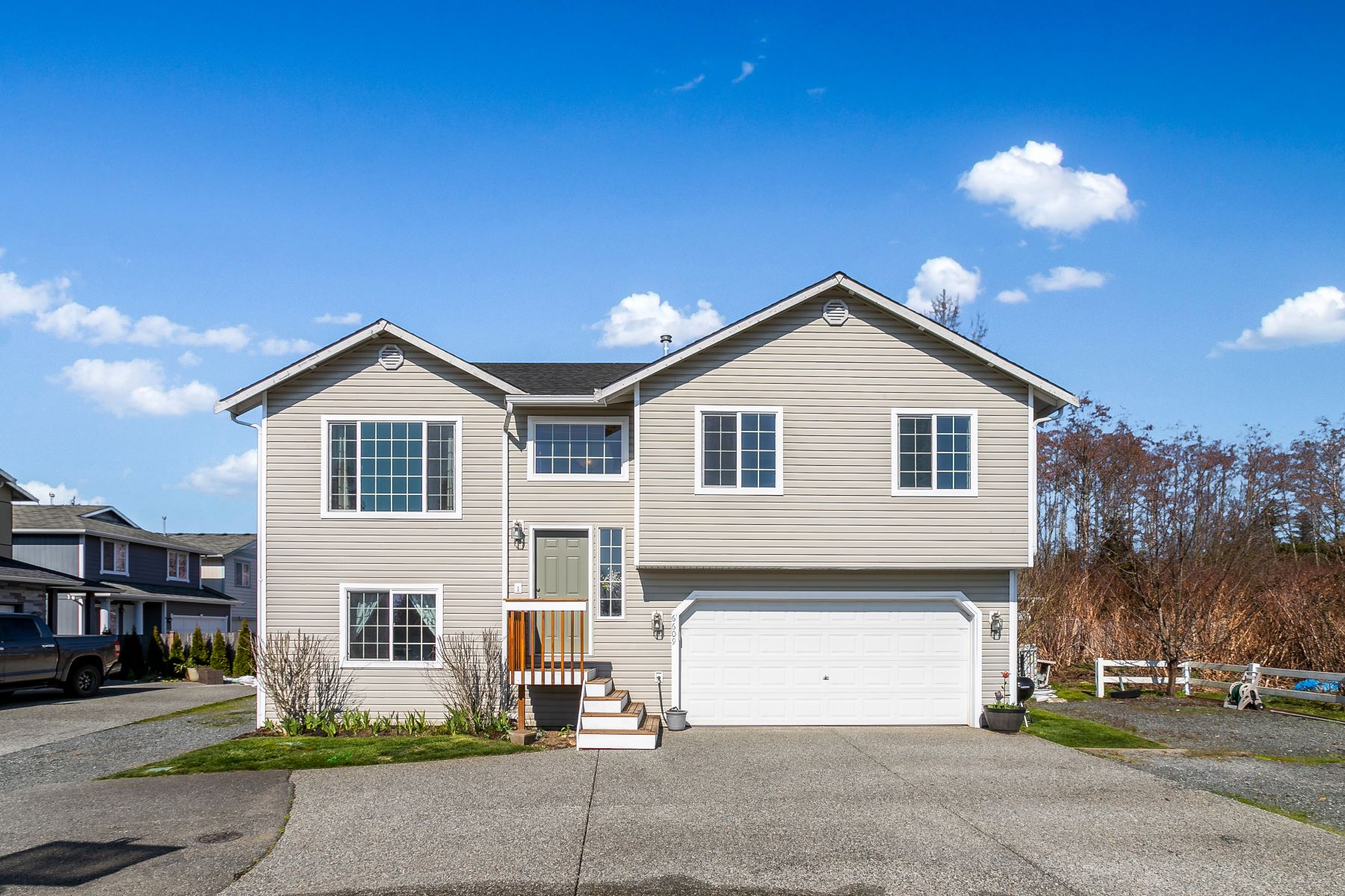 Single Family Homes por un Venta en 6609 78th Place NE, Marysville, WA 98270 6609 78th Place NE Marysville, Washington 98270 Estados Unidos