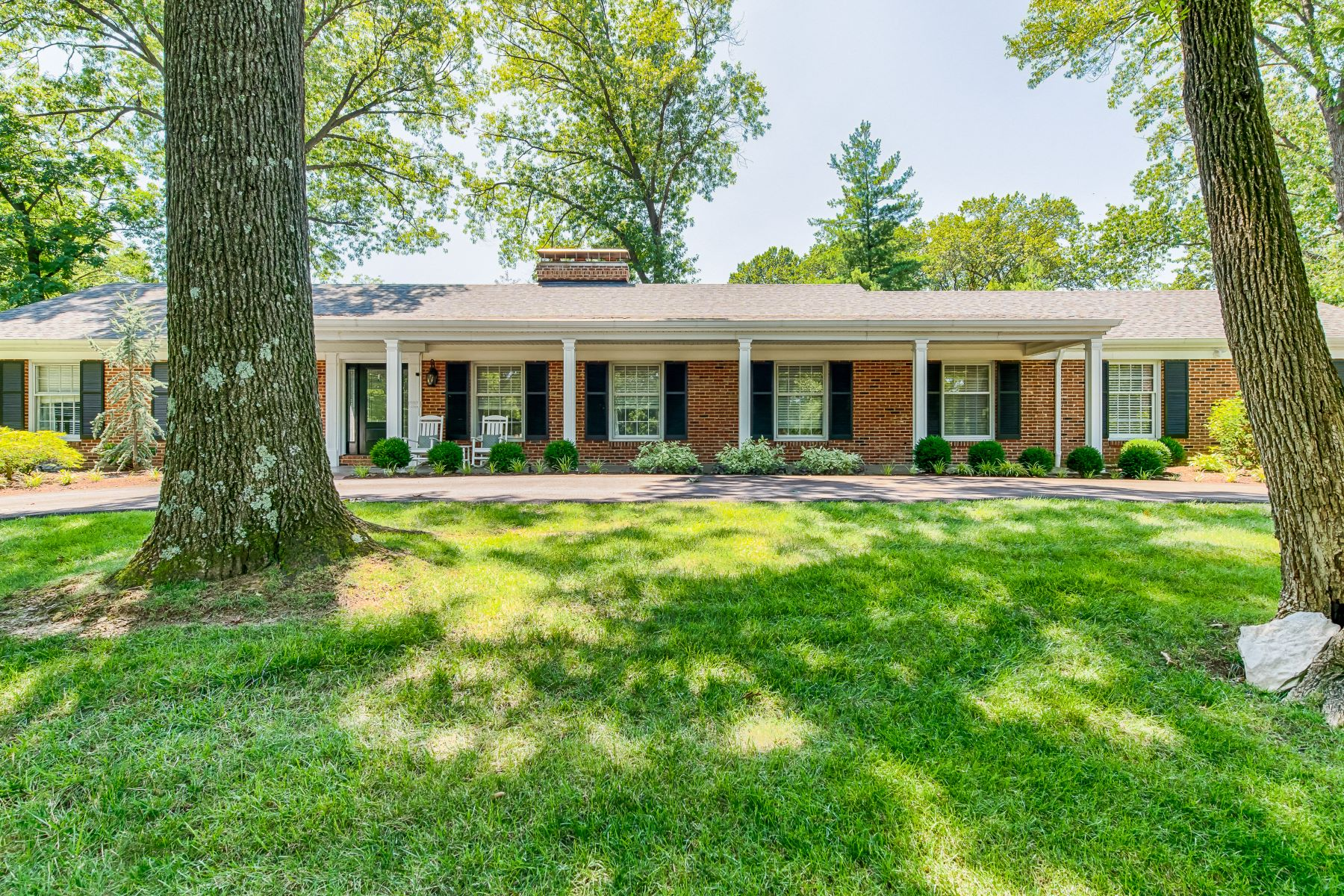 Single Family Homes for Sale at Updated Ladue ranch on over half an acre 9858 Copper Hill Road Ladue, Missouri 63124 United States
