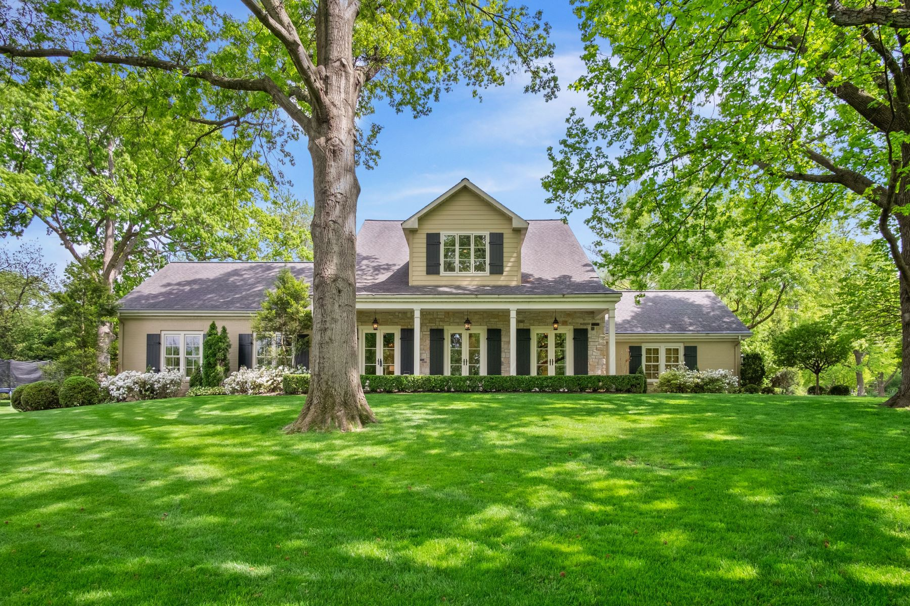 Property for Sale at Sophisticated Living in Ladue 10185 Springwood Drive Ladue, Missouri 63124 United States