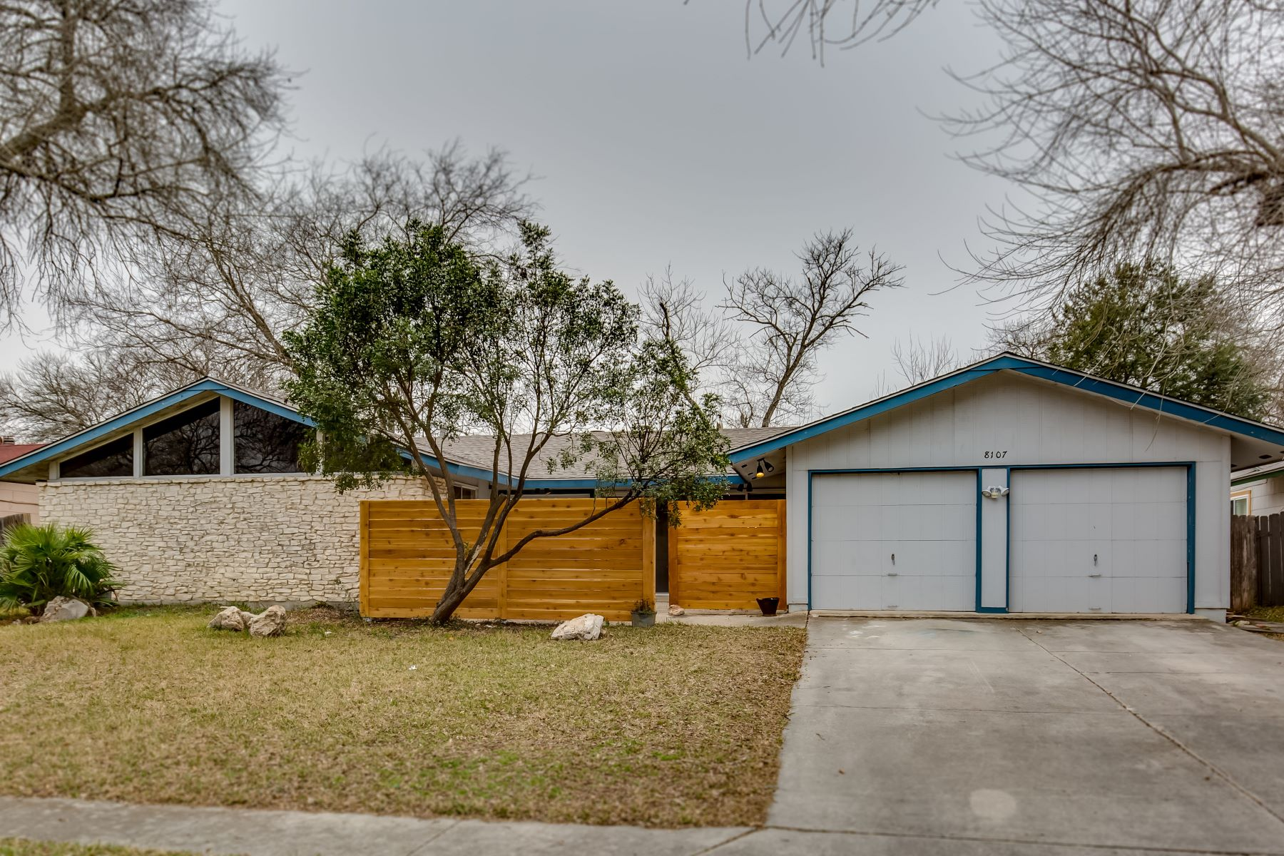 Single Family Home for Sale at Single Story, Cul-De-Sac Home 8107 Cedar Forest, San Antonio, Texas, 78239 United States