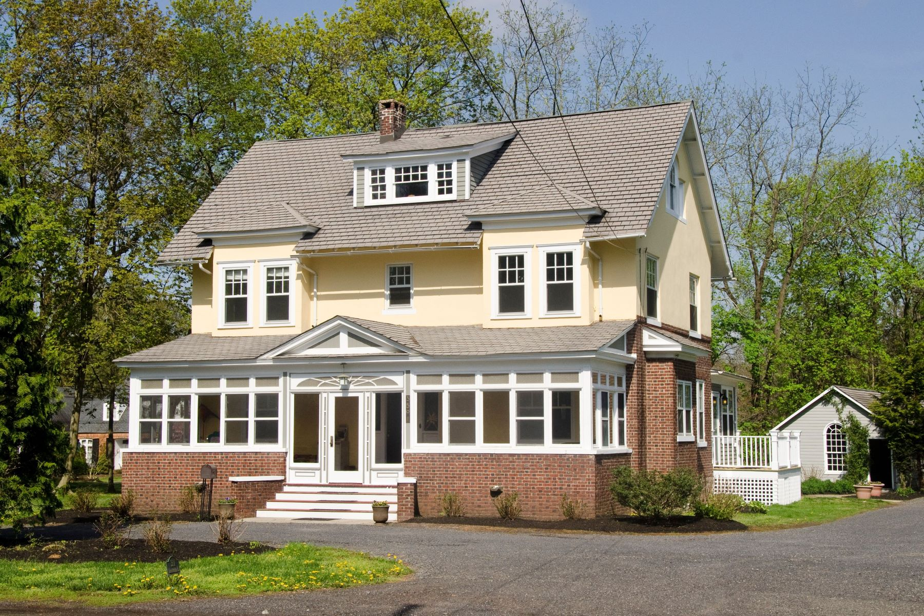 Updated Arts & Crafts 6 bedroom Home Renovated studio w/ full bath, 2-story barn 3501 Lawrenceville Road, Princeton, New Jersey 08540 Hoa Kỳ