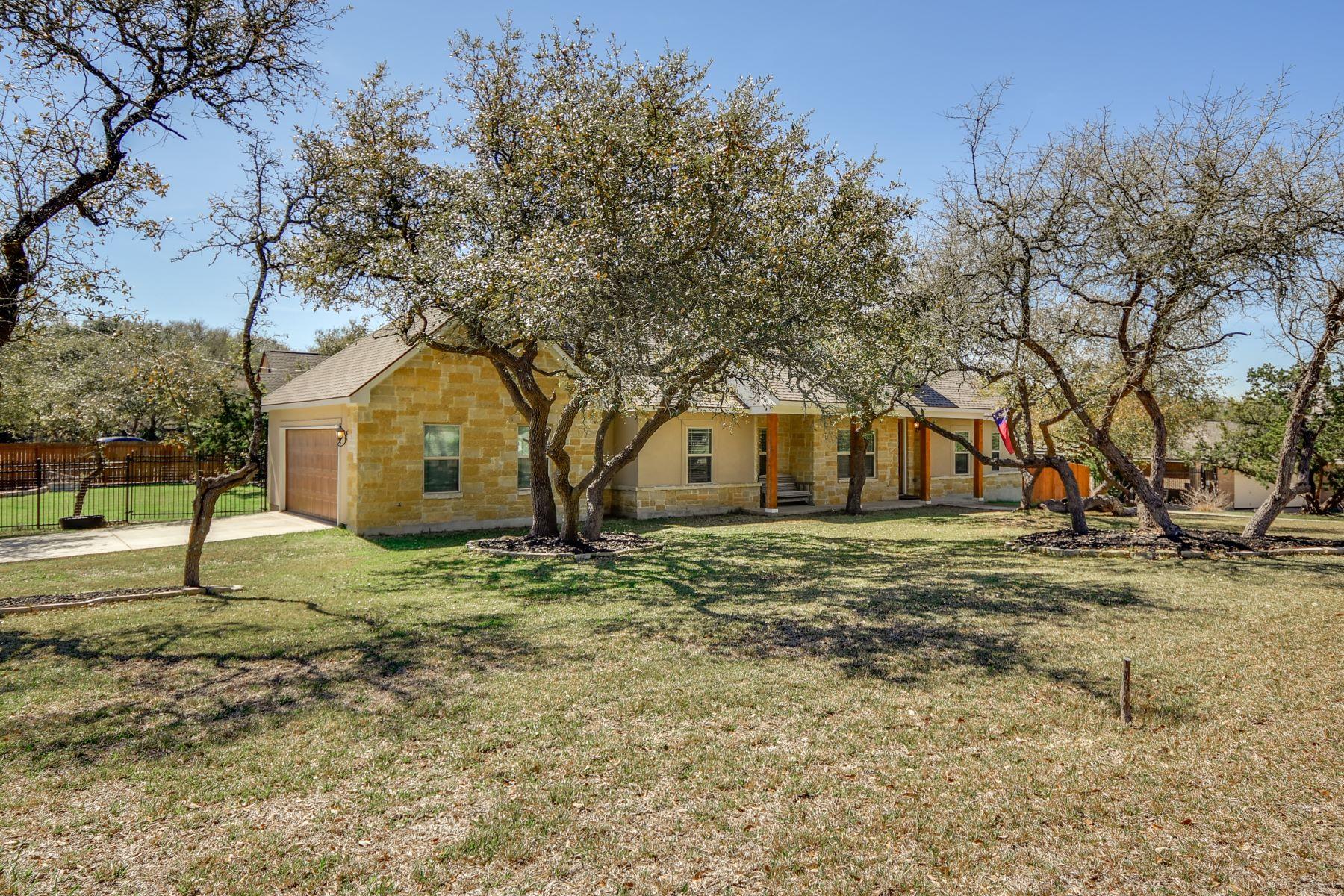 Casa Unifamiliar por un Venta en Serene Home in Timberwood Park 622 Sendera Street San Antonio, Texas 78260 Estados Unidos