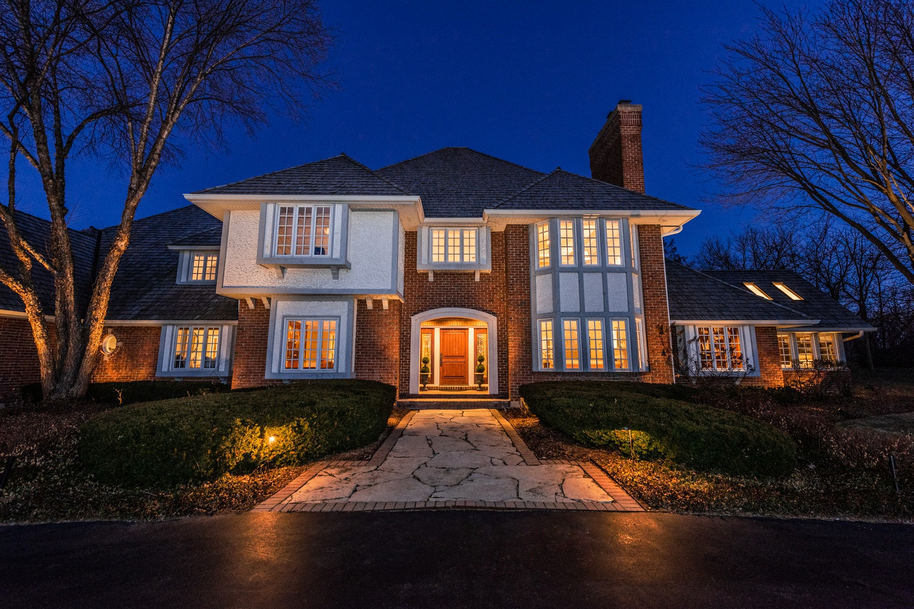 Single Family Home for Sale at Stunning Home 66 Coventry Lane North Barrington, Illinois 60010 United States