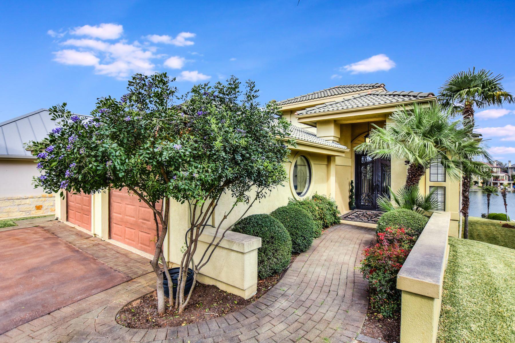 Casa Unifamiliar por un Venta en Exclusive Applehead Island Estate 223 Dominion Drive Horseshoe Bay, Texas 78657 Estados Unidos