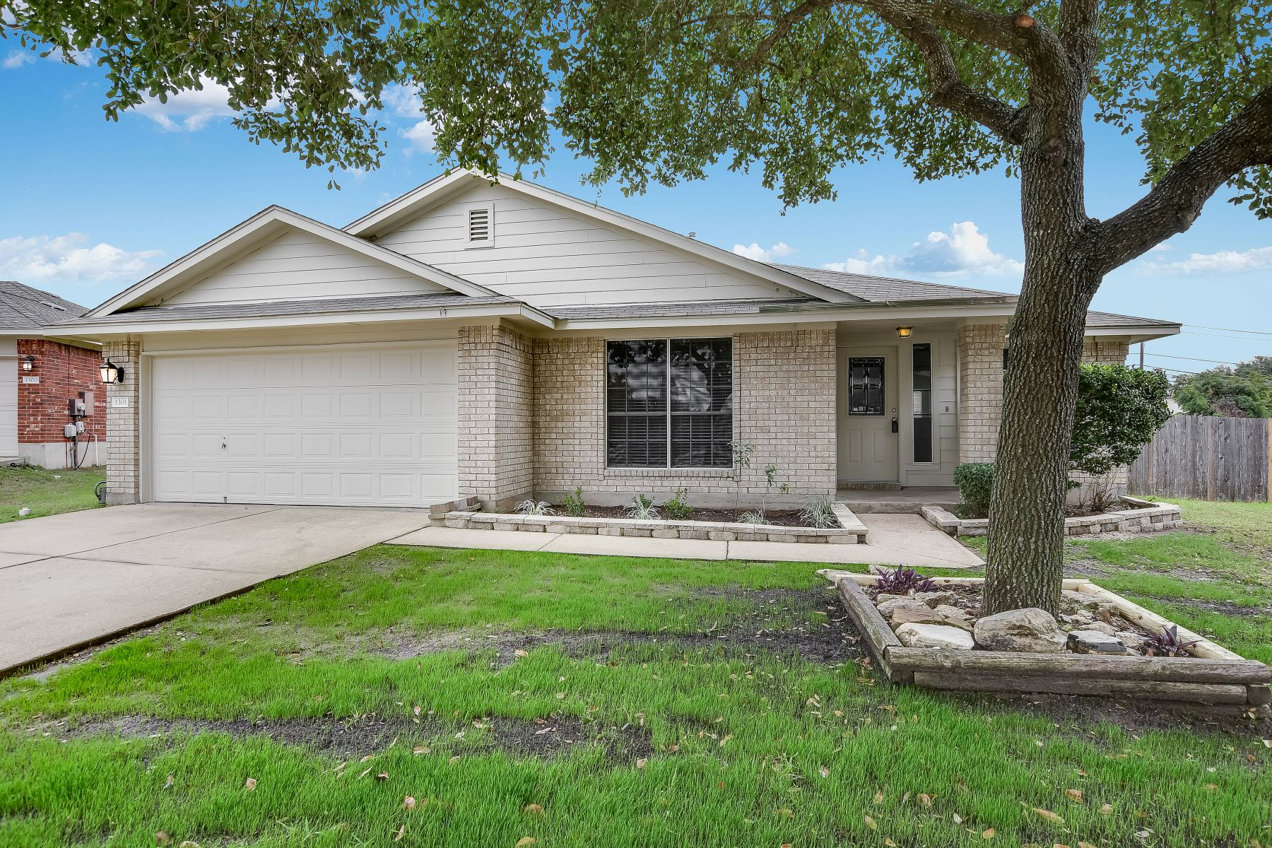 Single Family Homes for Active at 1301 Marsh Harbour Cove, Round Rock, TX 78664 1301 Marsh Harbour Cove Round Rock, Texas 78664 United States