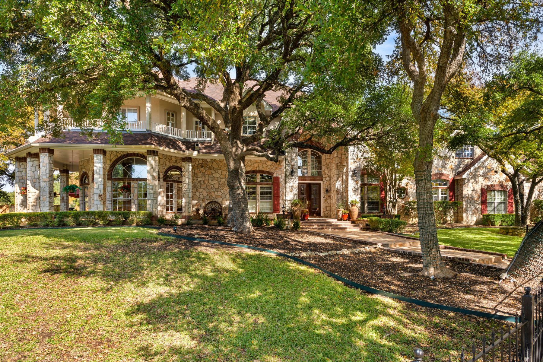 Single Family Homes for Active at Exquisite Gated Estate 8040 Rolling Acres Trail Fair Oaks Ranch, Texas 78015 United States
