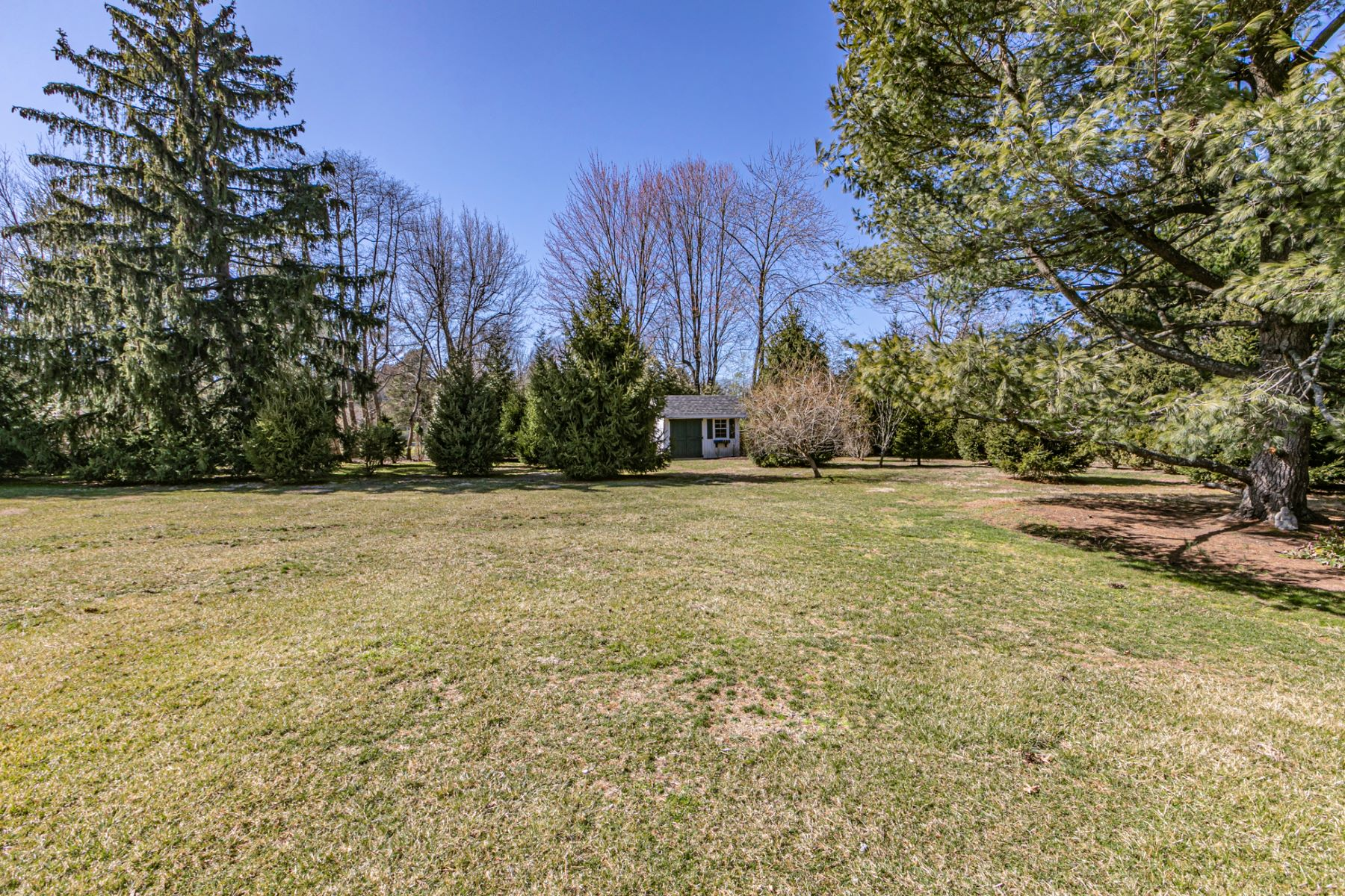 Additional photo for property listing at Completely Renovated And Designed To Last 10 Blue Spruce Drive, Pennington, New Jersey 08534 United States