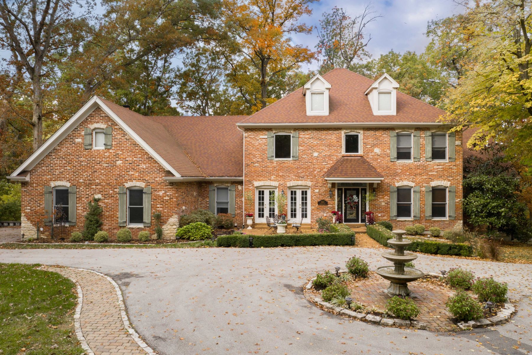 Single Family Homes for Active at French Country Estate in Chesterfield 1661 Wilson Avenue Chesterfield, Missouri 63005 United States
