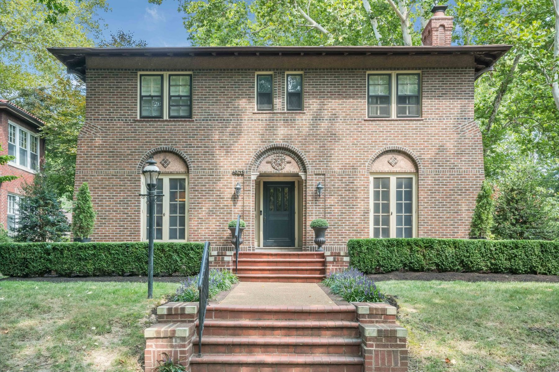 Single Family Homes for Sale at Stately Elegant Home In Coveted Ames Place 6903 Waterman Avenue University City, Missouri 63130 United States