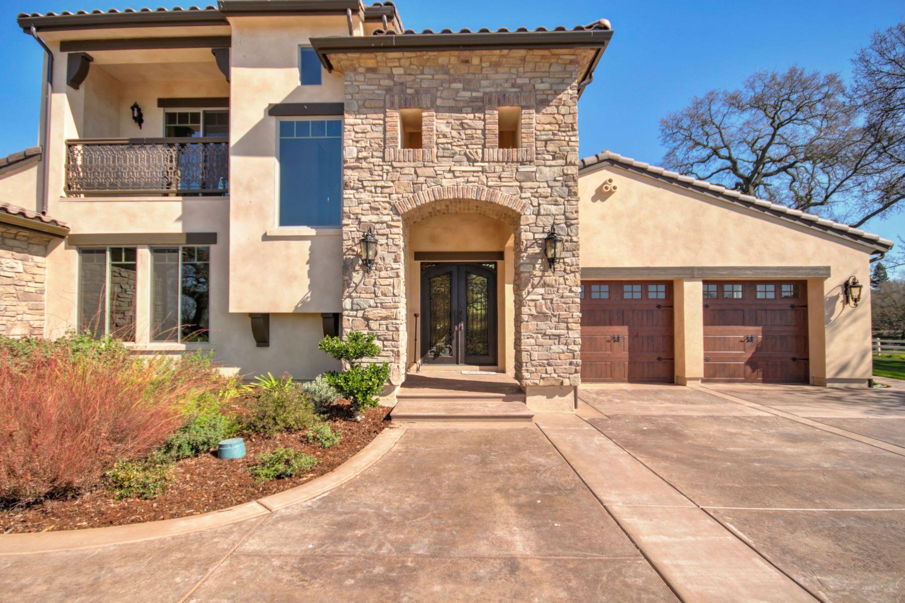 Single Family Homes para Venda às 12729 Leo Lane, Wilton, CA 95693 Wilton, Califórnia 95693 Estados Unidos