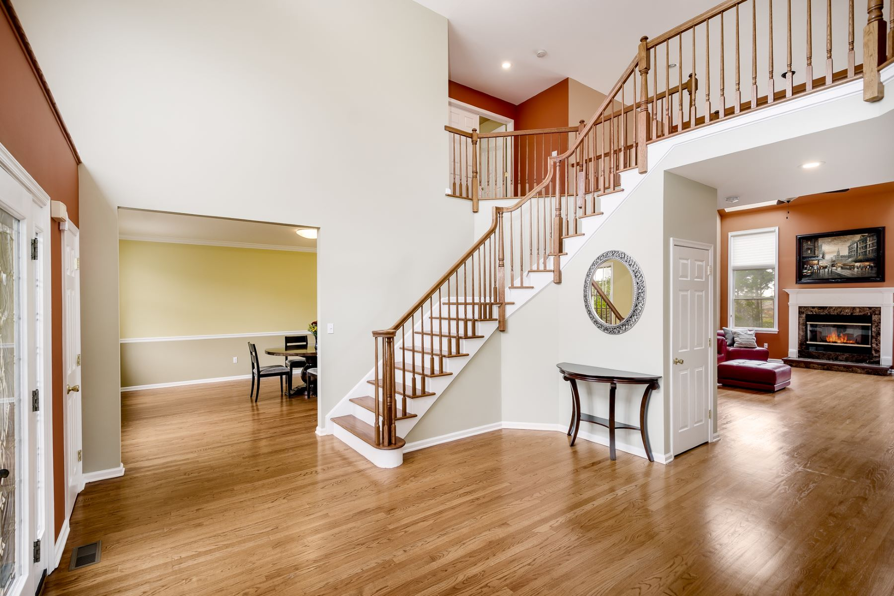 Additional photo for property listing at Balancing Grandeur with Comfort in Robbinsville 11 Jonathan Drive, Robbinsville, New Jersey 08691 United States