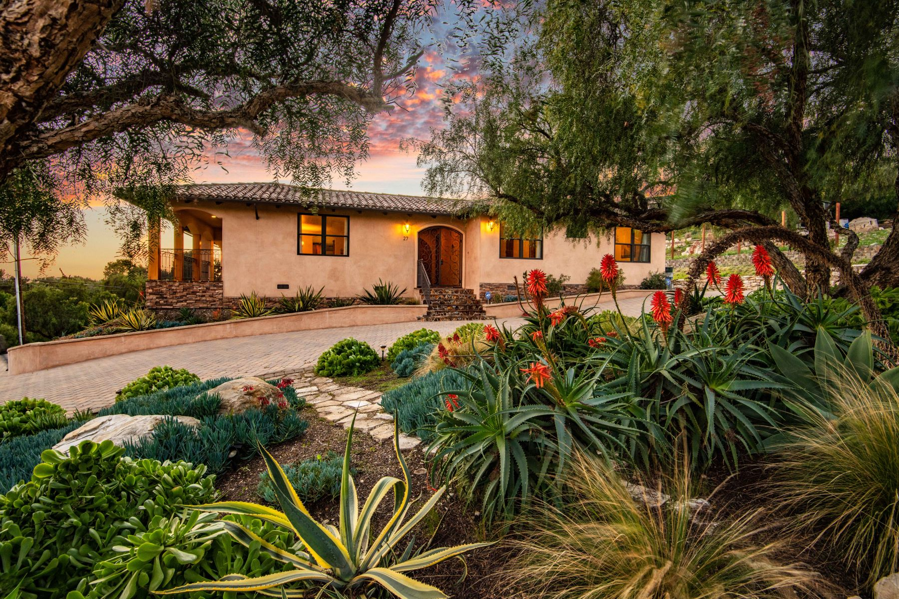 Single Family Homes for Active at 27 Cinnamon Lane, Rancho Palos Verdes, CA 90275 27 Cinnamon Lane Rancho Palos Verdes, California 90275 United States