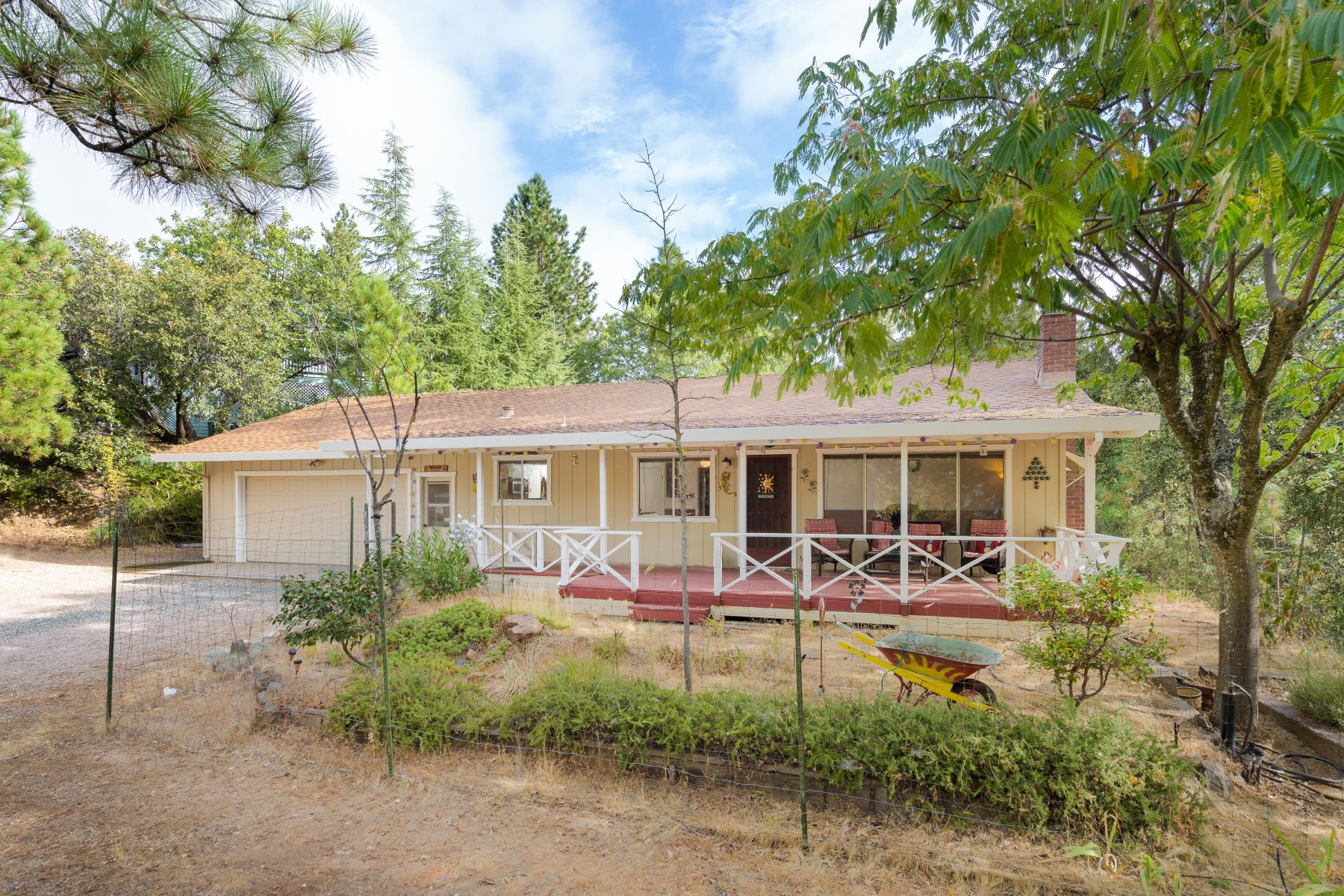 Single Family Homes for Sale at Charming Cottage with Cul-de-sac Location 12328 Eldel Road Pine Grove, California 95665 United States