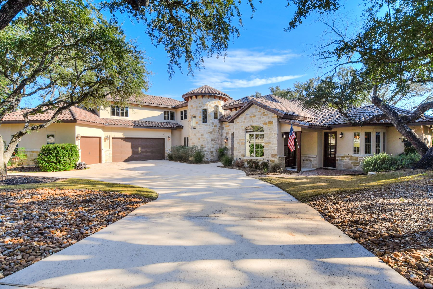 Single Family Homes for Active at Hill Country Estate with Guest Casita 101 Cabin Springs Boerne, Texas 78006 United States
