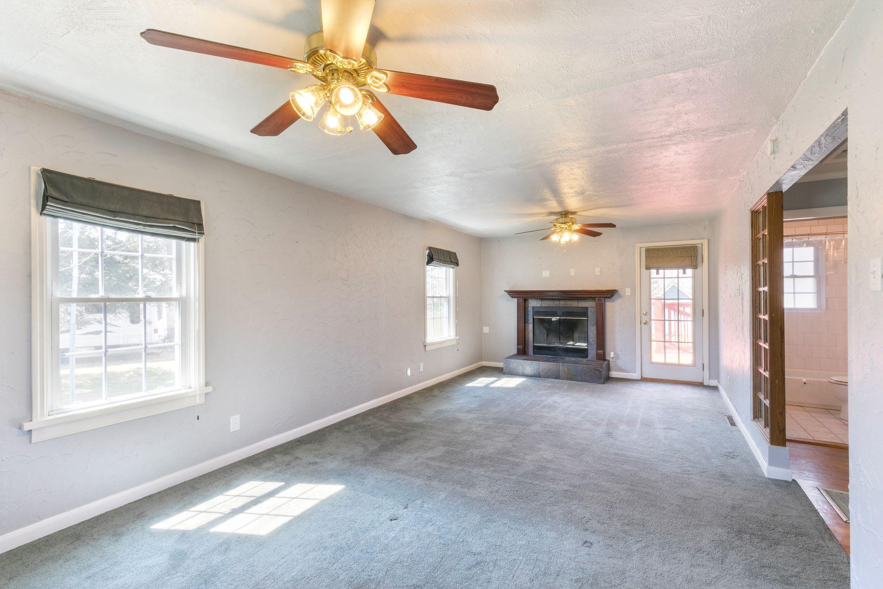 Additional photo for property listing at 3145 Lansing Drive, Saint Ann, MO 63074 3145 Lansing Drive St. Ann, Missouri 63074 United States