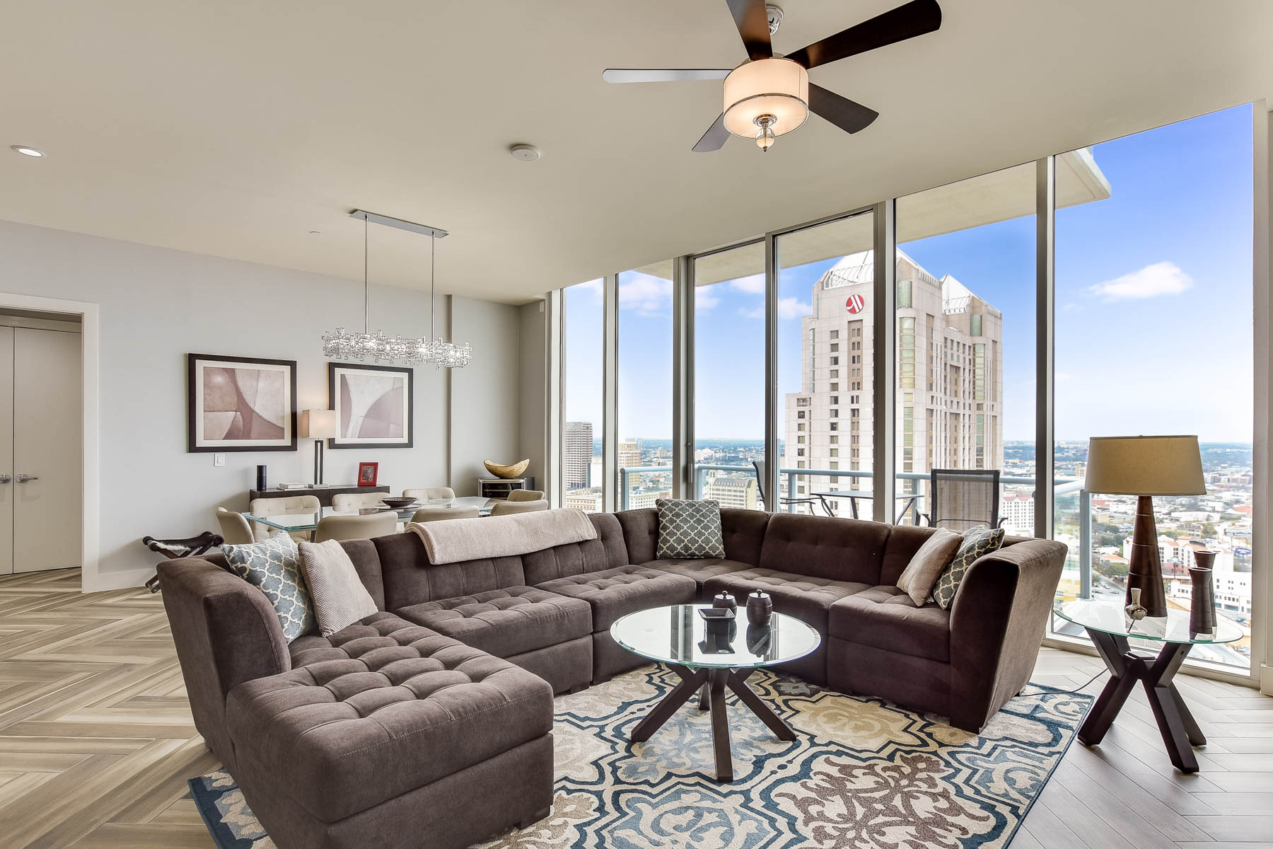 Condominium for Sale at Luxury Living at Alteza 610 East Market Street #2614 San Antonio, Texas 78205 United States