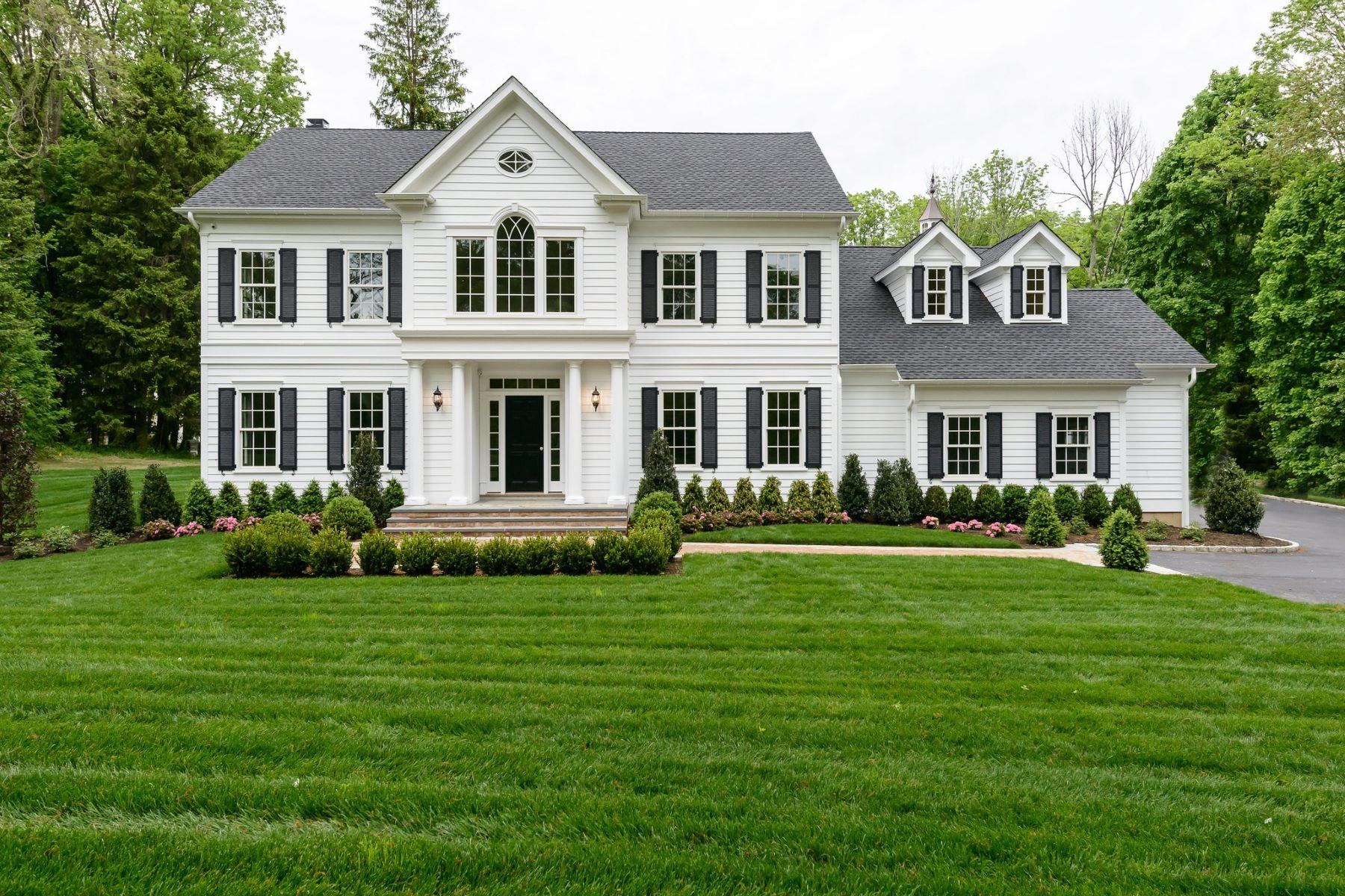 Single Family Homes 為 出售 在 Cold Spring Hrbr 2 Walnut Tree Lane, Cold Spring Harbor, 纽约 11724 美國
