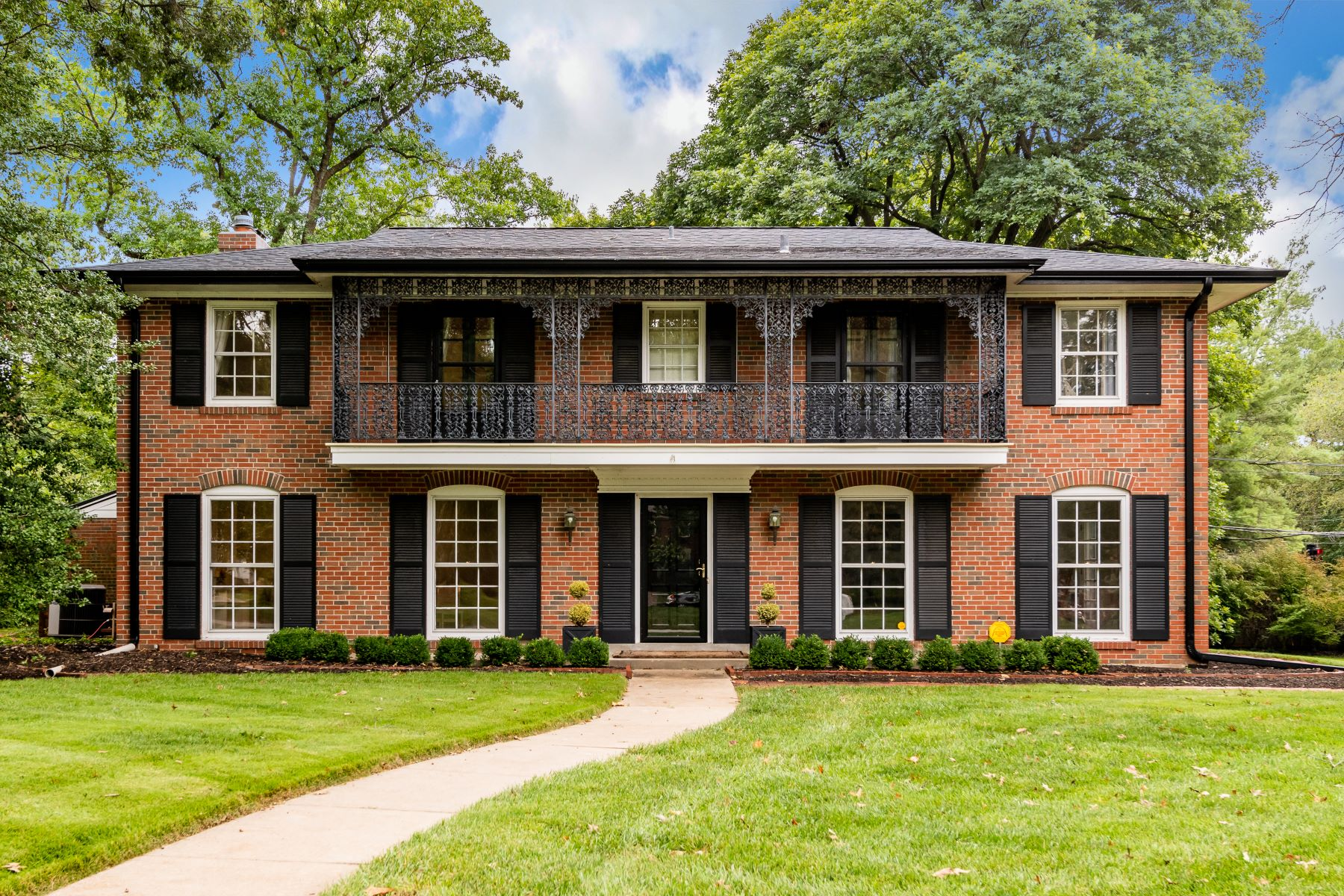 Single Family Homes for Sale at Elegant Colonial in the Heart of Ladue 1 The Prado Ladue, Missouri 63124 United States