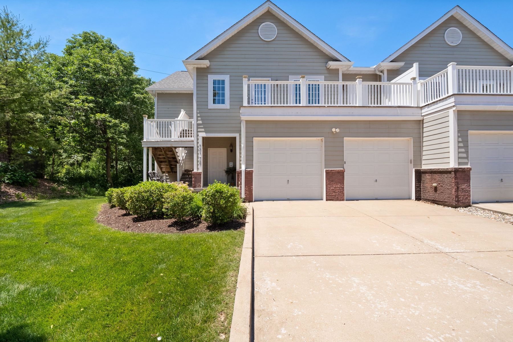 Condominiums for Sale at Easy Living in Kirkwood Condo 731 Windberry Court Oakland, Missouri 63122 United States
