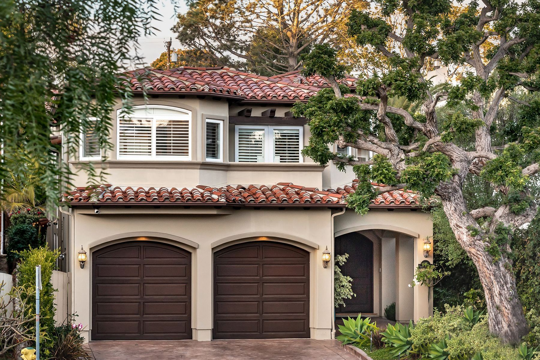 Single Family Homes for Sale at 591 26th Street, Manhattan Beach, CA 90266 591 26th Street Manhattan Beach, California 90266 United States