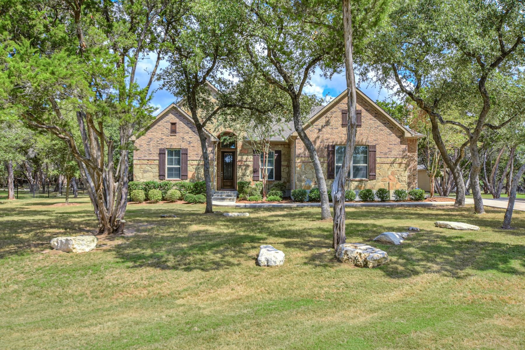 Single Family Homes للـ Sale في 1249 Flint Rock Loop, Driftwood, TX 78619 Driftwood, Texas 78619 United States