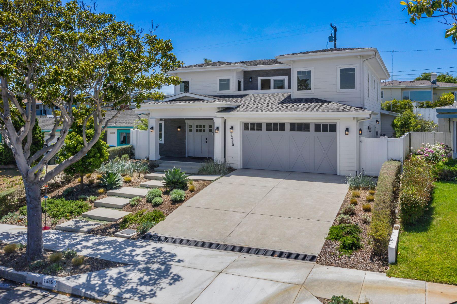 Single Family Homes por un Venta en 1325 South Gertruda Avenue, Redondo Beach, CA 90277 1325 South Gertruda Avenue Redondo Beach, California 90277 Estados Unidos