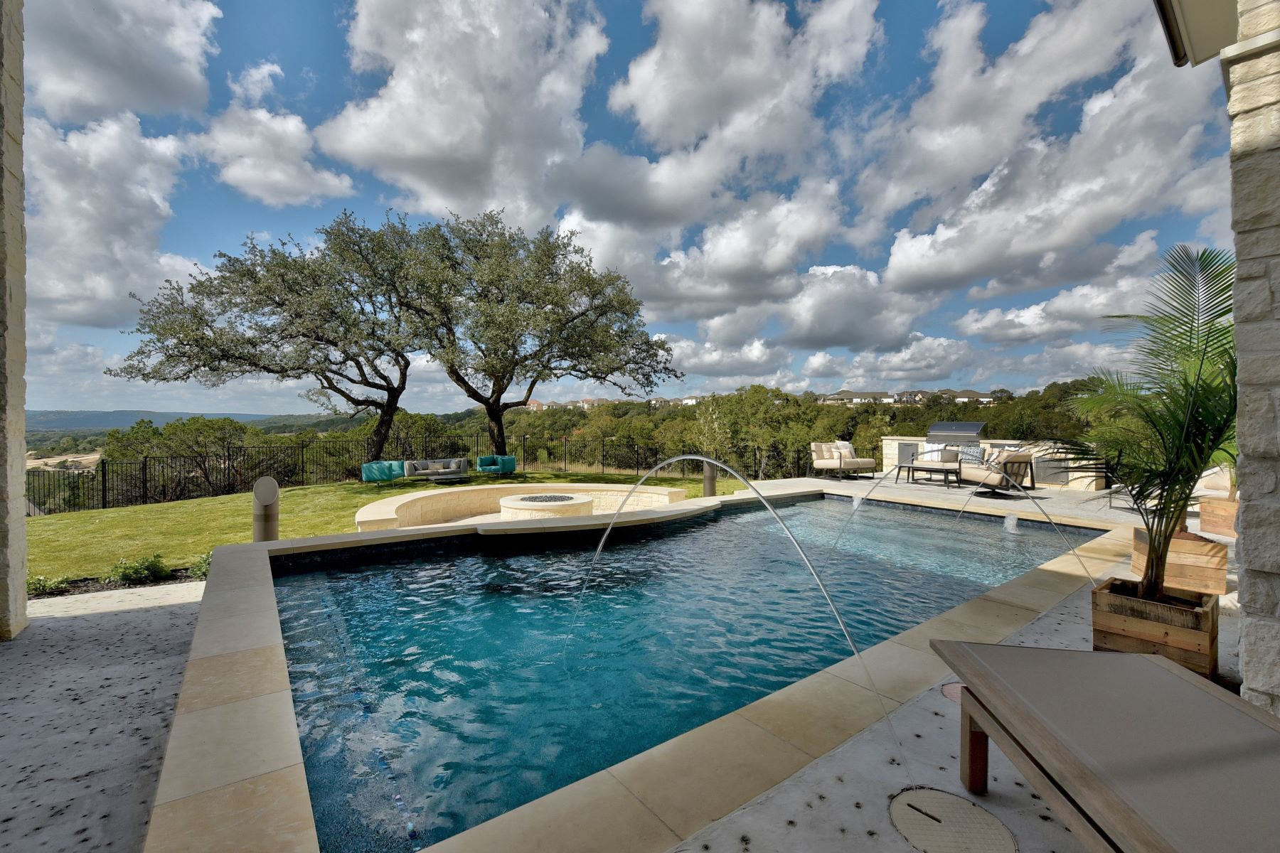 Single Family Homes for Sale at 2013 Skyview Ridge Pass, Leander, TX 78641 2013 Skyview Ridge Pass Leander, Texas 78641 United States