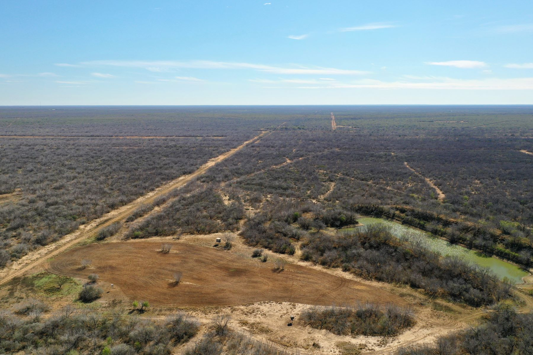 Additional photo for property listing at 8,195+/- Acres Snake Creek Ranch , Dilley, TX 7801 8,195+/- Acres Snake Creek Ranch Dilley, 得克萨斯州 7801 美国