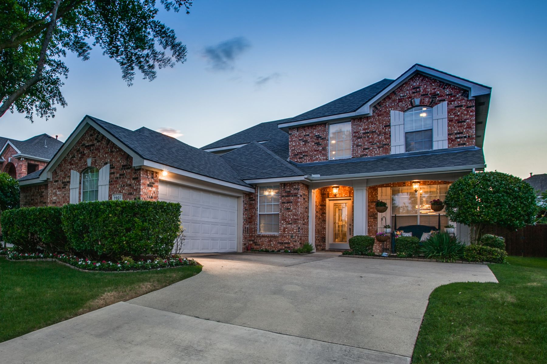 Single Family Homes for Sale at 7801 Fern Hill Lane, Rowlett, TX, 75089 7801 Fern Hill Lane Rowlett, Texas 75089 United States