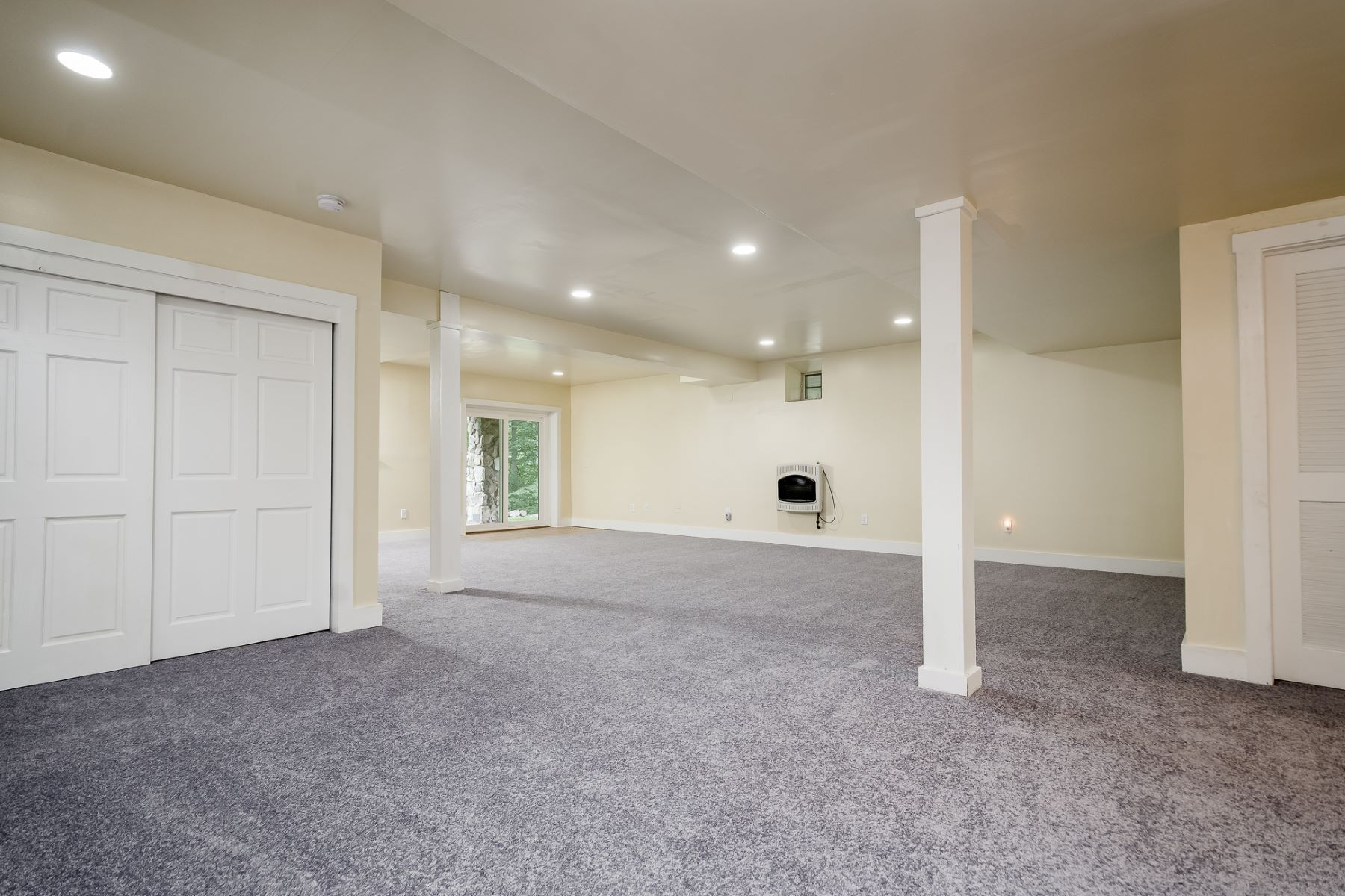 Additional photo for property listing at A Peaceful Setting For This Custom Home 84 Crusher Road, Hopewell, ニュージャージー 08525 アメリカ