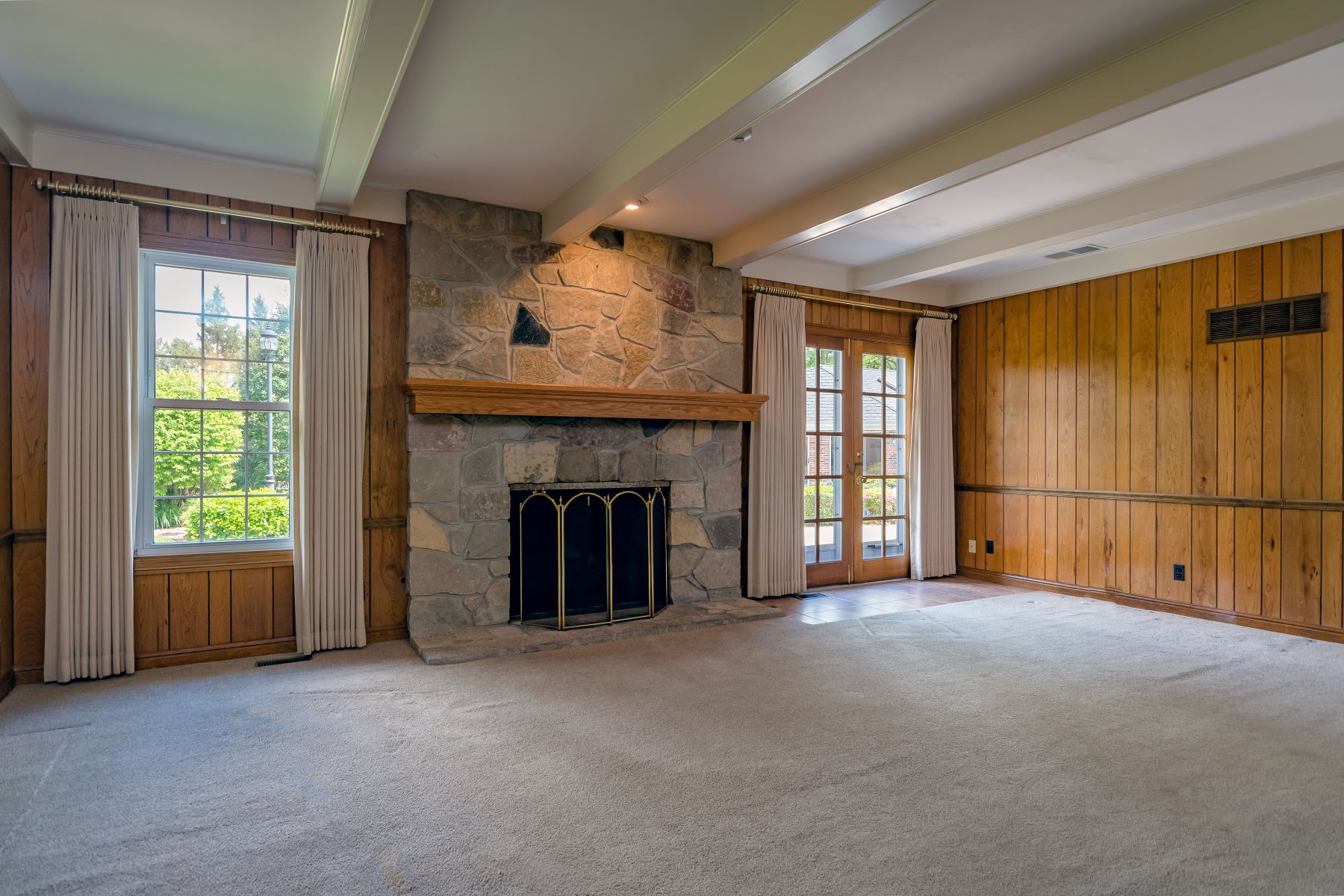 Additional photo for property listing at 12 Stoney Brook Lane Ladue, Missouri 63124 United States
