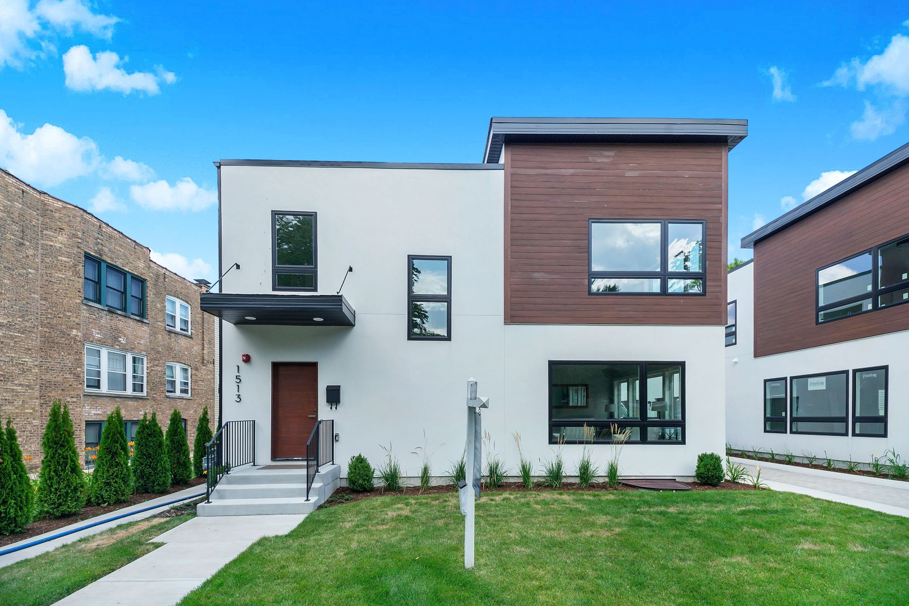 Single Family Homes for Active at Modern Luxury Family Townhome 1513 Wilder Street Evanston, Illinois 60202 United States