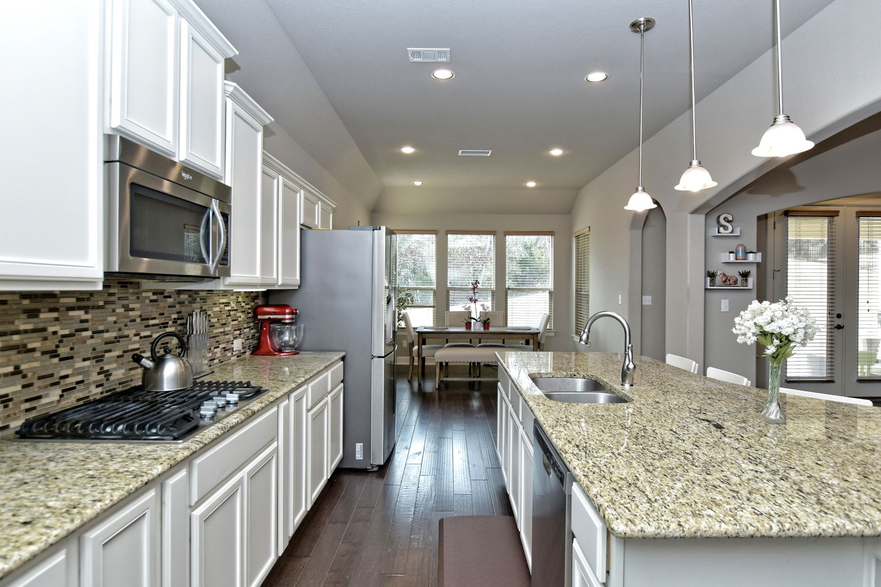 Additional photo for property listing at Beautiful One-Story Home on Greenbelt Lot 3509 Venezia View Leander, Texas 78641 United States