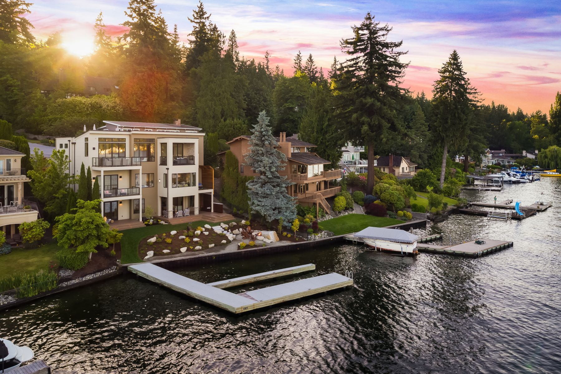 Single Family Homes for Sale at New Construction Northwest Contemporary Waterfront 6922 96th Ave SE Mercer Island, Washington 98040 United States