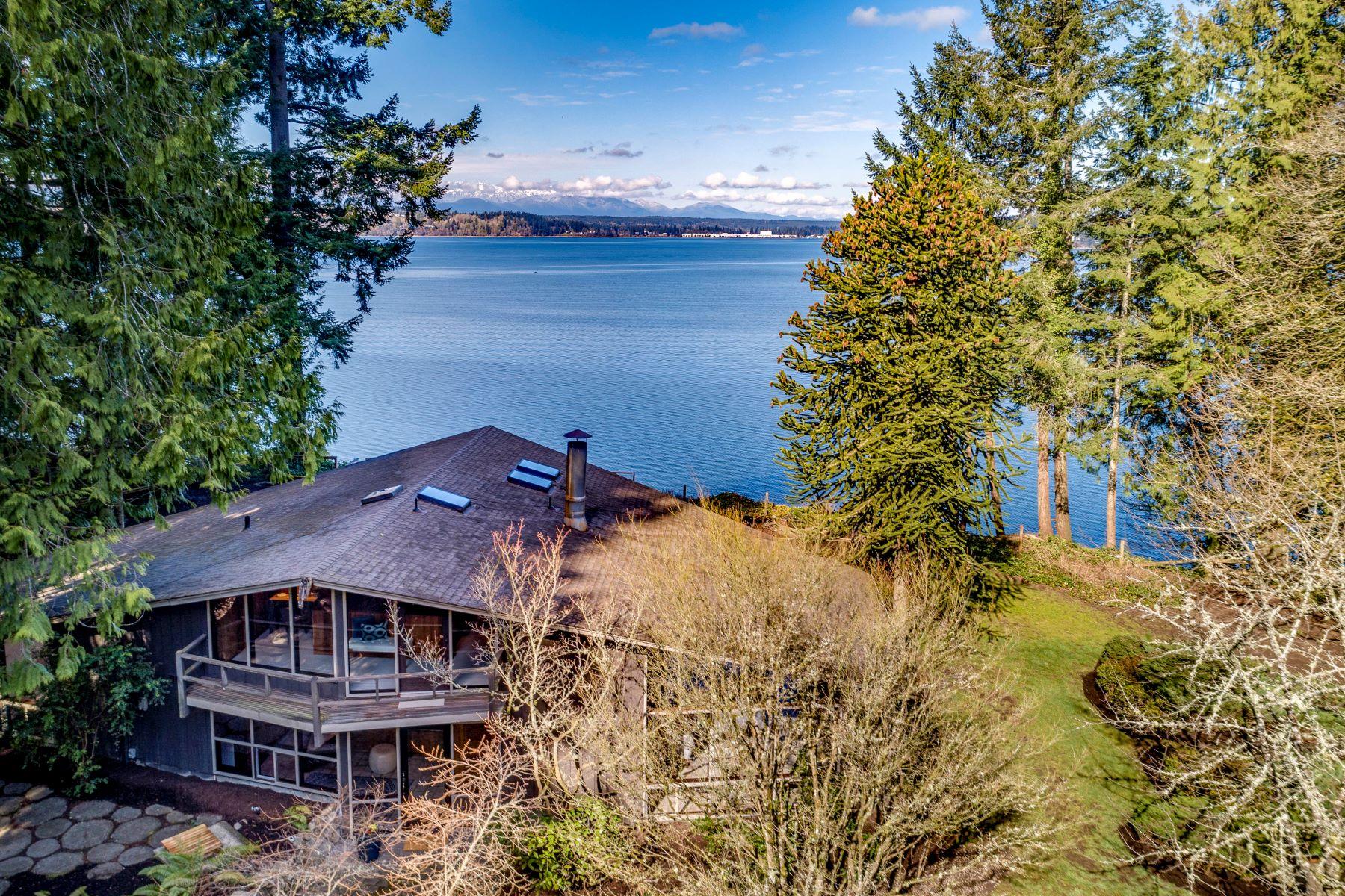 Single Family Homes for Sale at 12169 Arrow Point Loop NE, Bainbridge Island, WA 98110 12169 Arrow Point Loop NE Bainbridge Island, Washington 98110 United States