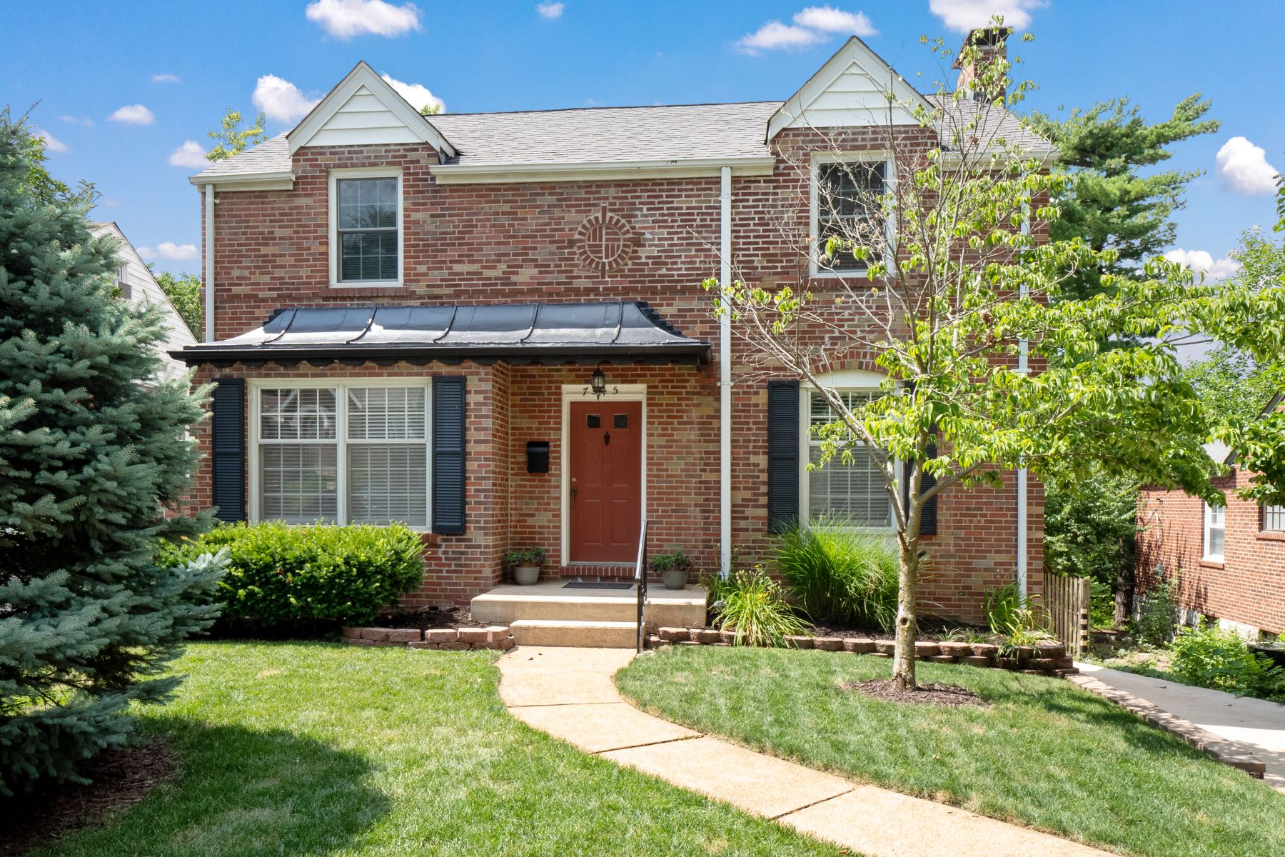 Single Family Homes for Sale at Richmond Heights Most Charming Home! 7545 Hiawatha Avenue Richmond Heights, Missouri 63117 United States