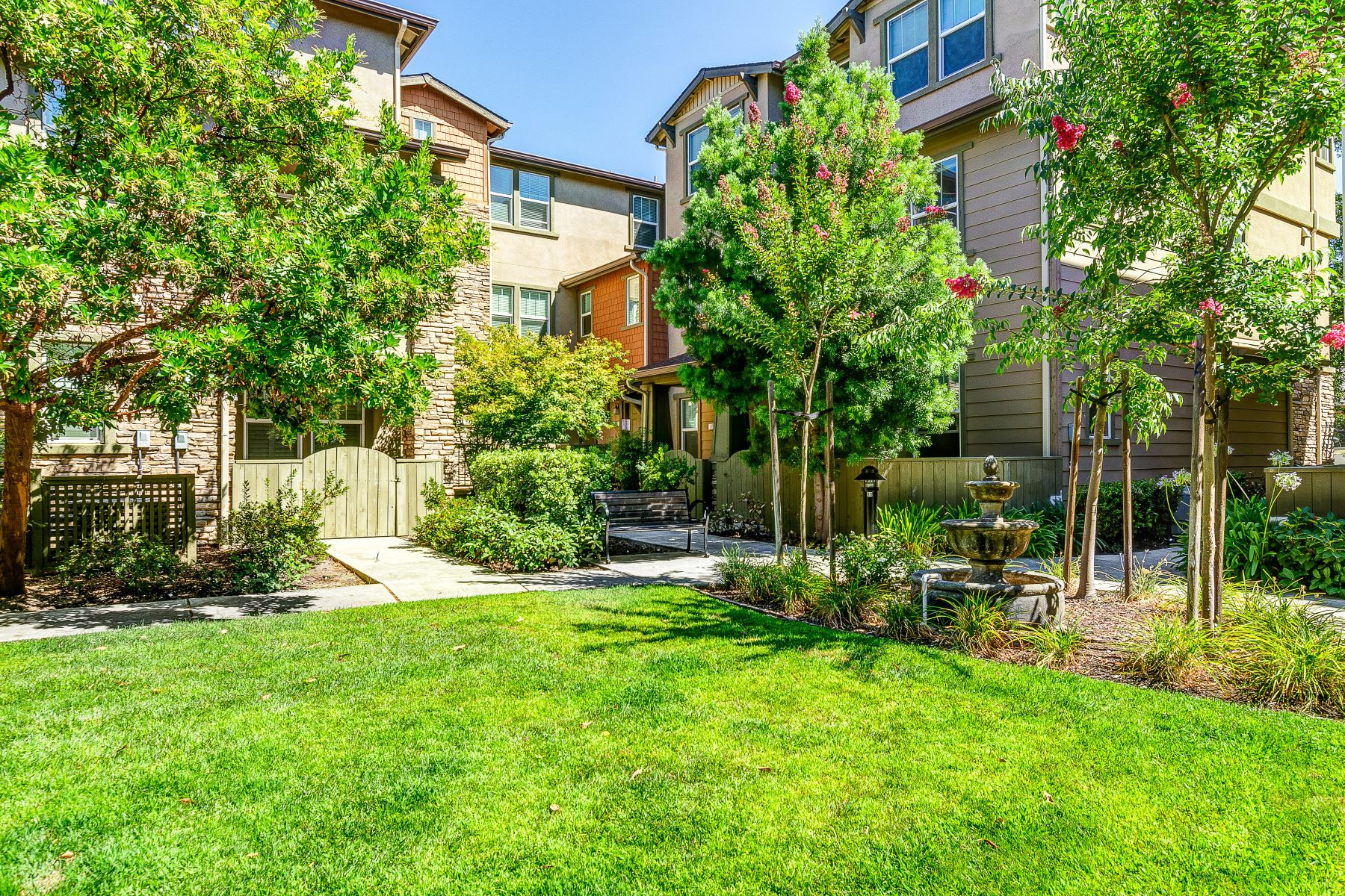 townhouses for Active at 618 El Paseo Circle, Walnut Creek, CA 94597 618 El Paseo Circle Walnut Creek, California 94597 United States