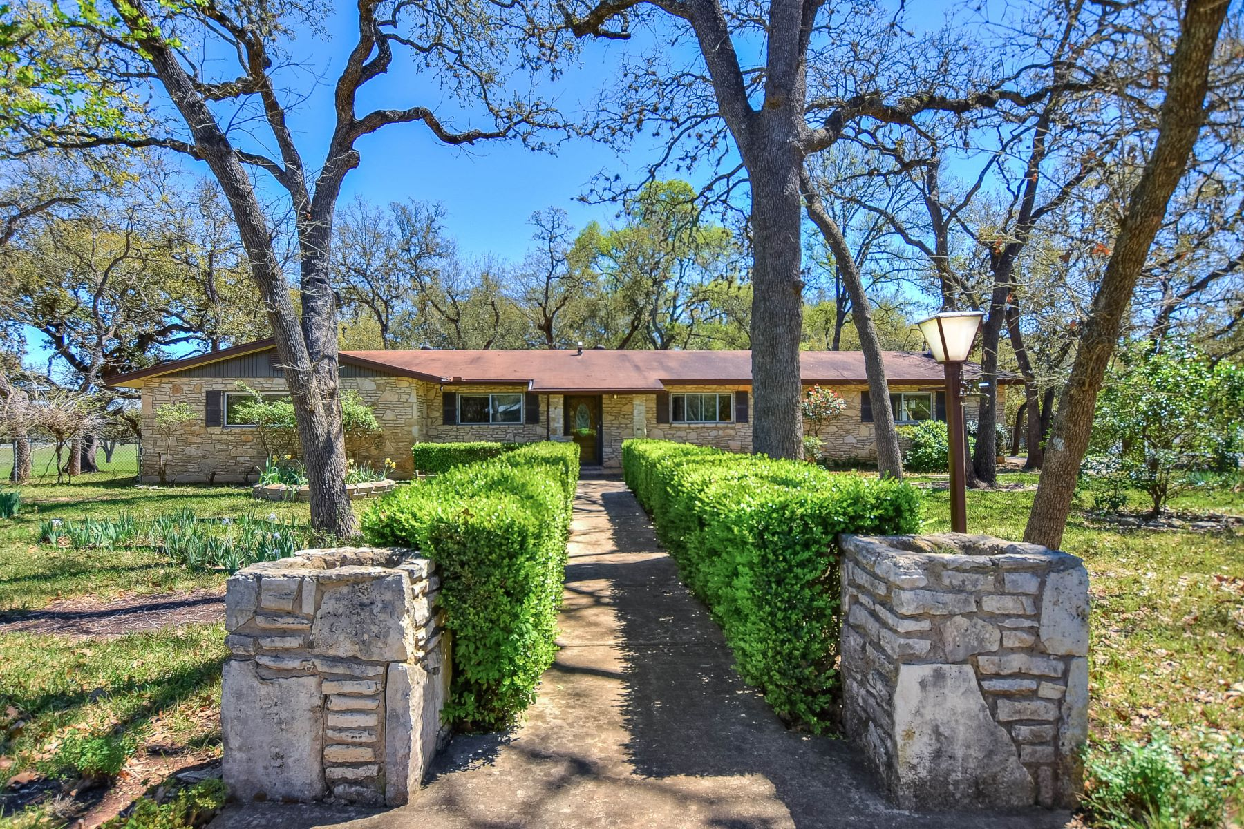 Single Family Home for Sale at Home in Stagecoach Hills 25702 Broad Oak Trail San Antonio, Texas 78255 United States