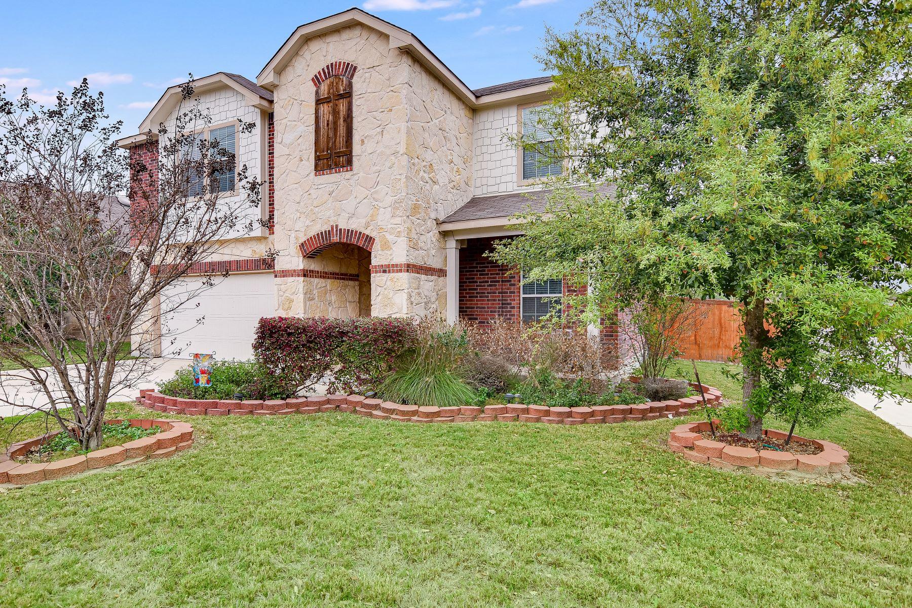 Single Family Homes für Verkauf beim Beautifully Maintained Home In Cibolo Valley Ranch 200 Rawhide Way, Cibolo, Texas 78108 Vereinigte Staaten