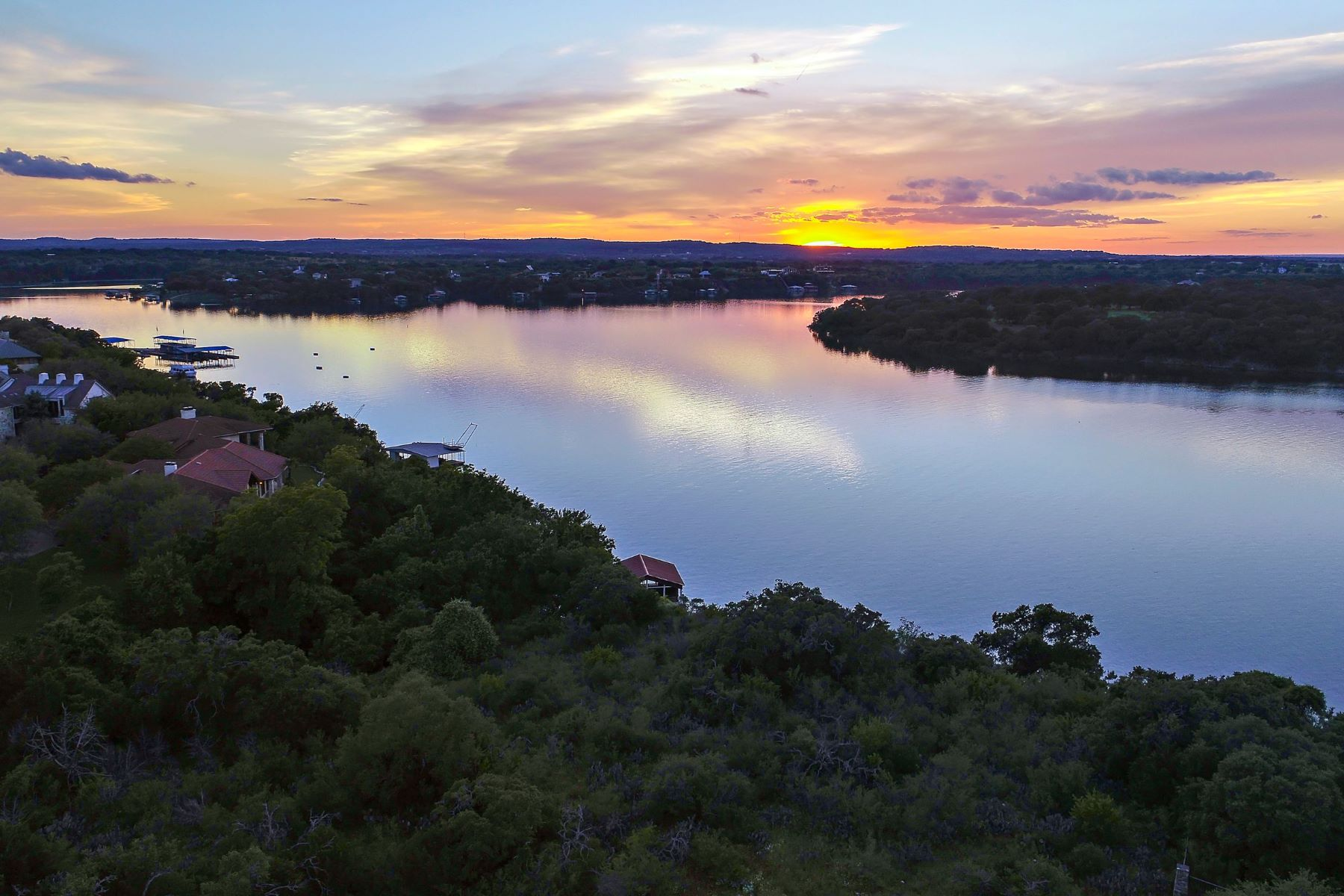 Land for Active at 2 acres with stunning views of Lake Travis 1610 Las Entradas Drive Spicewood, Texas 78669 United States