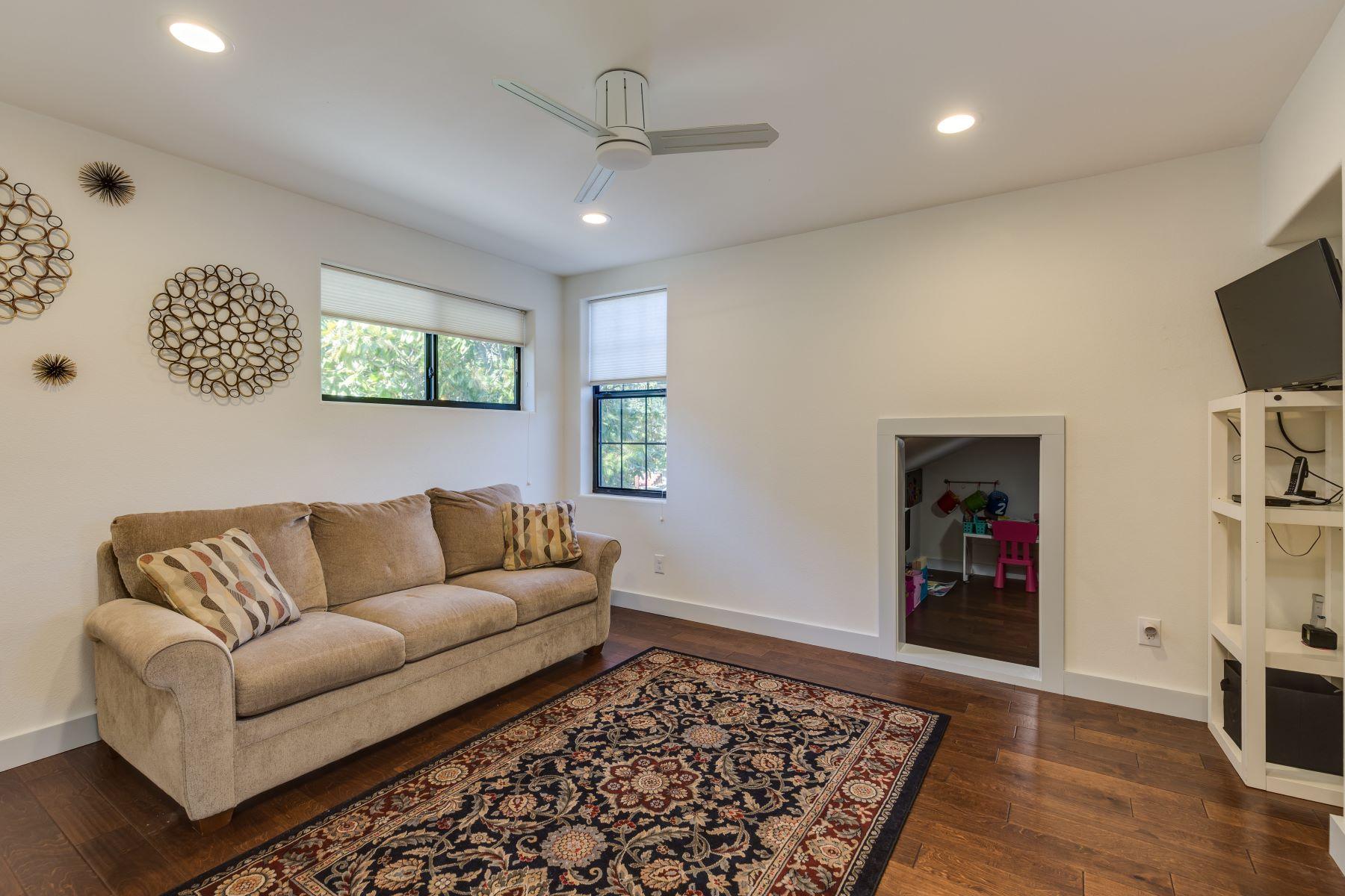 Additional photo for property listing at Spacious Home in Alamo Heights 312 Argo Avenue San Antonio, Texas 78209 Estados Unidos