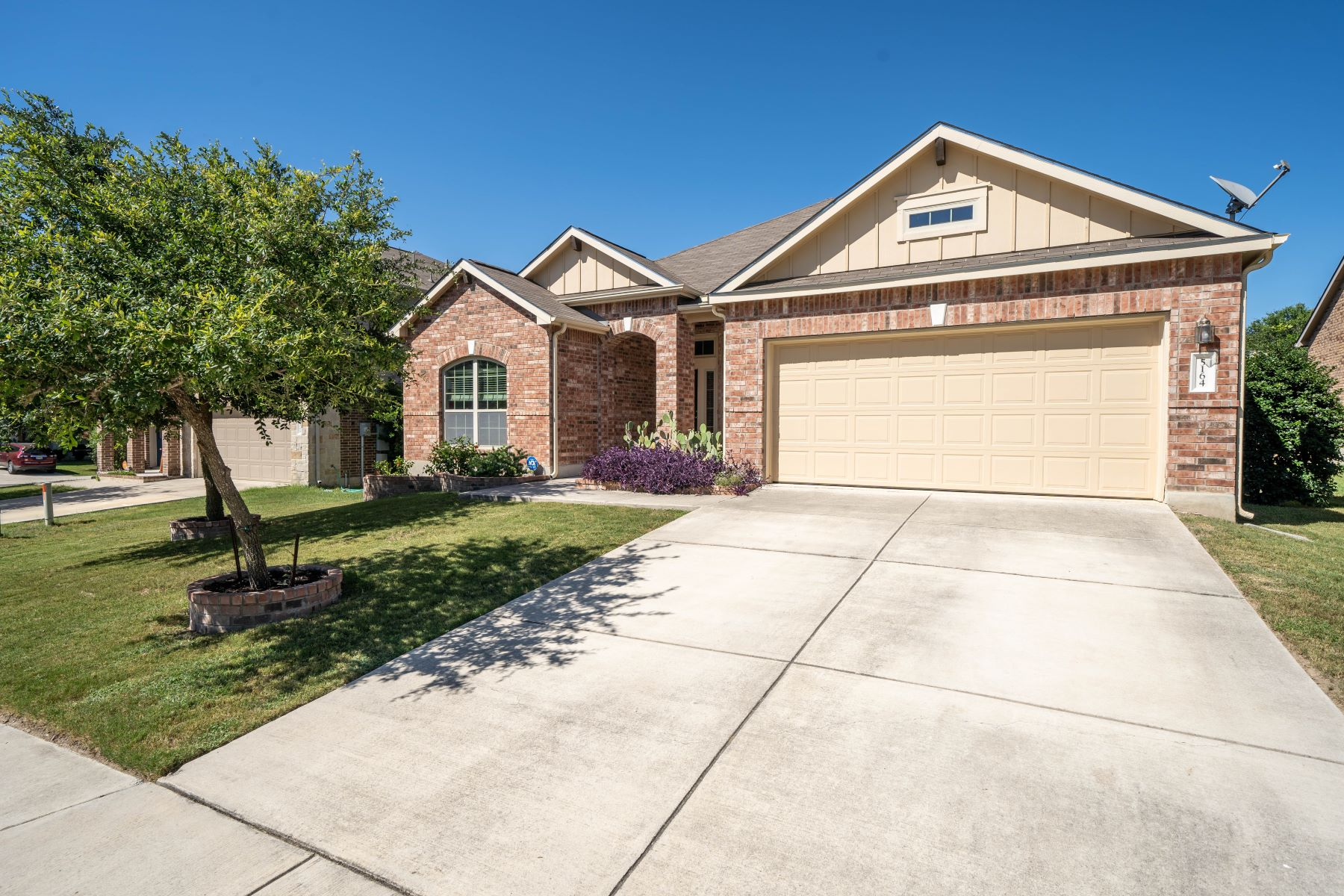 Single Family Homes for Sale at Spacious Home Near Randolph Air Force Base 5164 Timber Springs Schertz, Texas 78108 United States