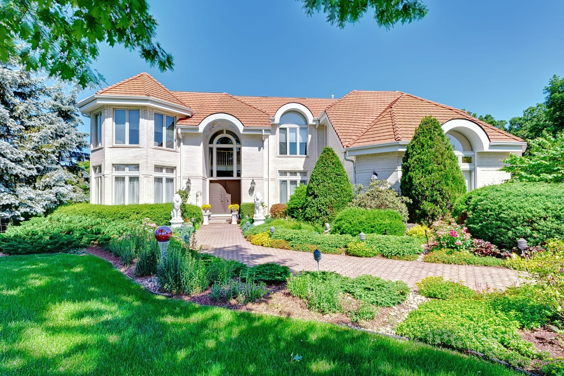 Single Family Homes para Venda às Perfectly Manicured 91 Livery Court, Oak Brook, Illinois 60523 Estados Unidos