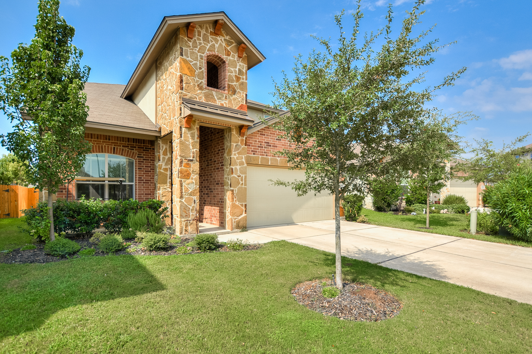 Single Family Home for Sale at Exquisite Property in Wildhorse 10338 Floore Holw San Antonio, Texas 78254 United States