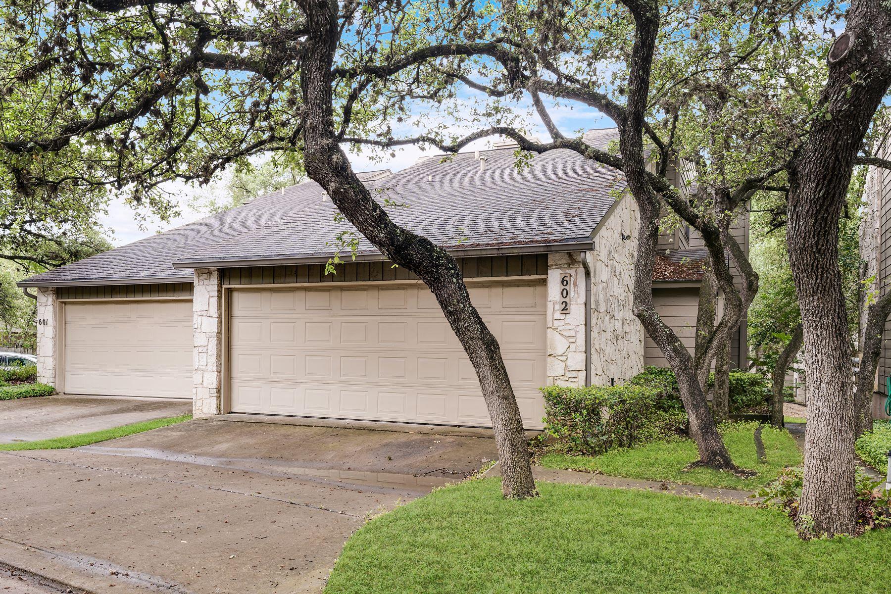 Condominiums por un Venta en Move-In Ready Condominium 3430 Turtle Village Drive #602 San Antonio, Texas 78230 Estados Unidos