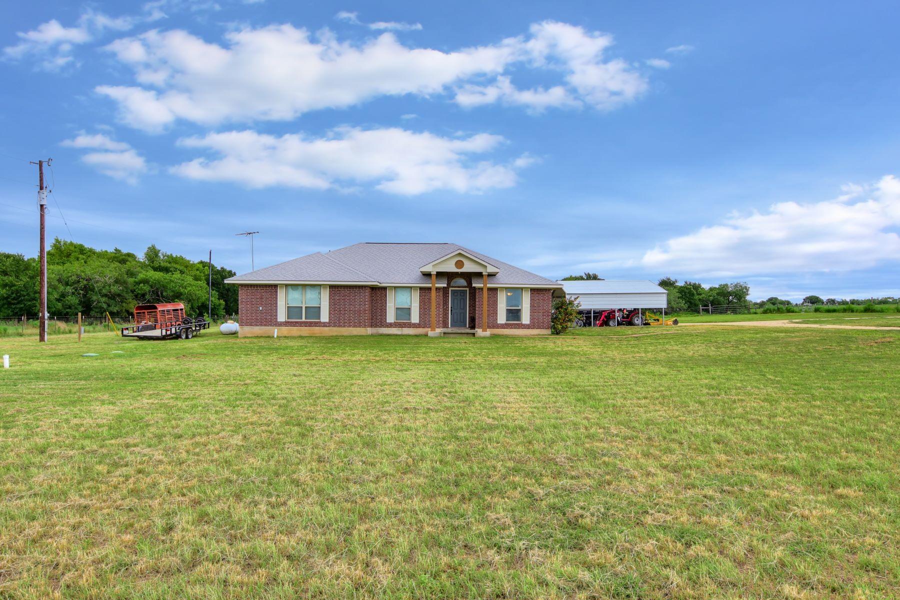 Single Family Homes 용 매매 에 4515 Pettytown Road, Dale, TX 78616 Dale, 텍사스 78616 미국
